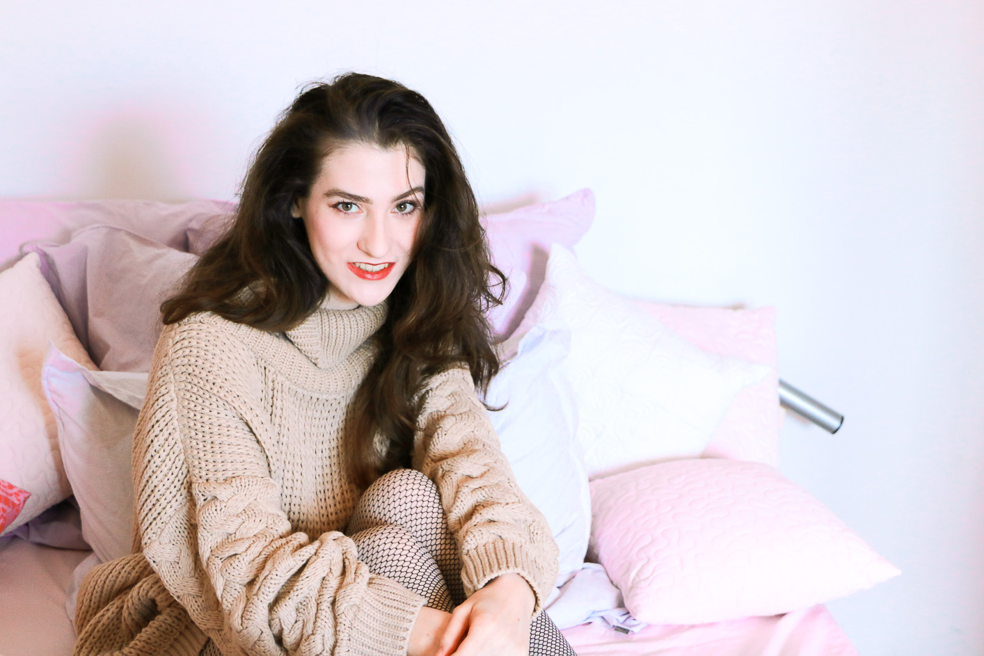 Fashion and beauty blogger Veronika Lipar of Brunette From Wall Street sharing how to get rid of static hair this winter