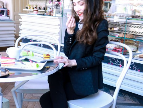 Fashion blogger Veronika Lipar of Brunette From Wall Street sharing what to wear to the coffee date this weekend