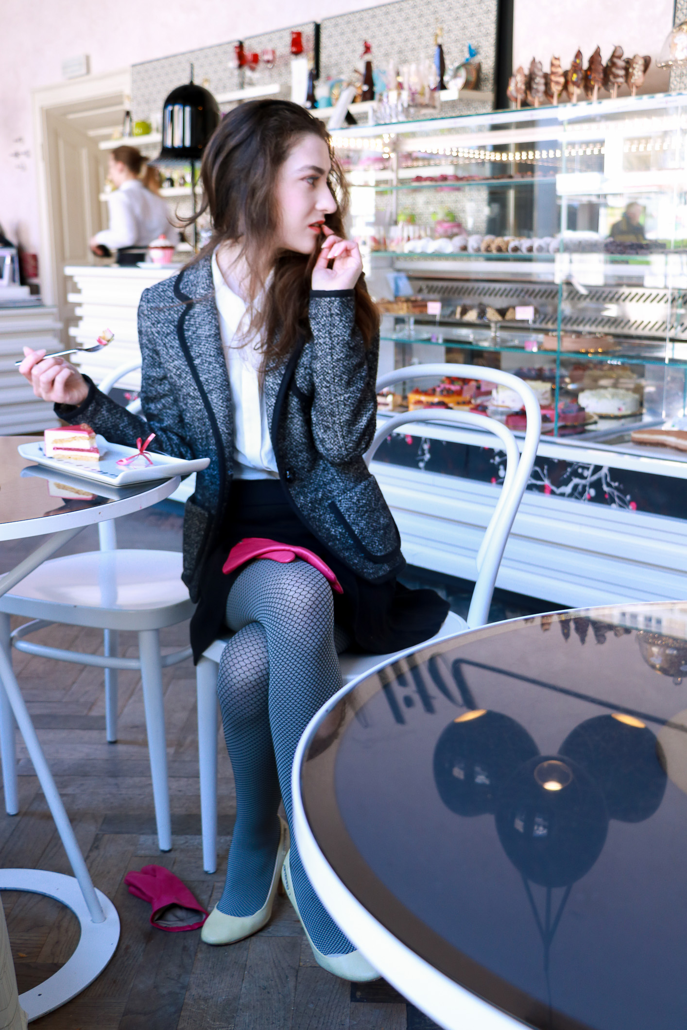 Fashion blogger Veronika Lipar of Brunette From Wall Street sharing her Valentine's Outfit