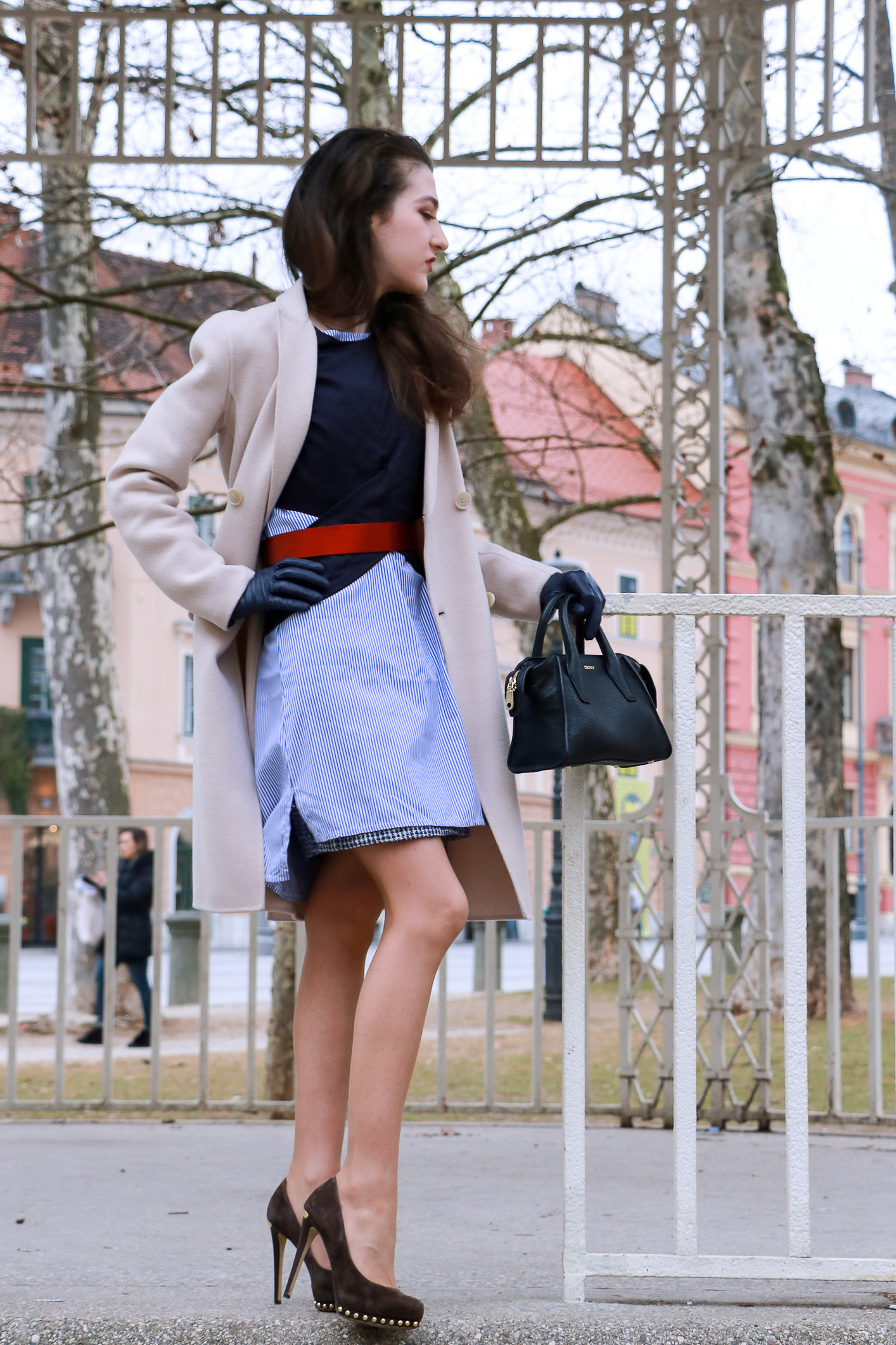 Fashion Blogger Veronika Lipar of Brunette from Wall Street sharing how to wear your boyfriend's shirt
