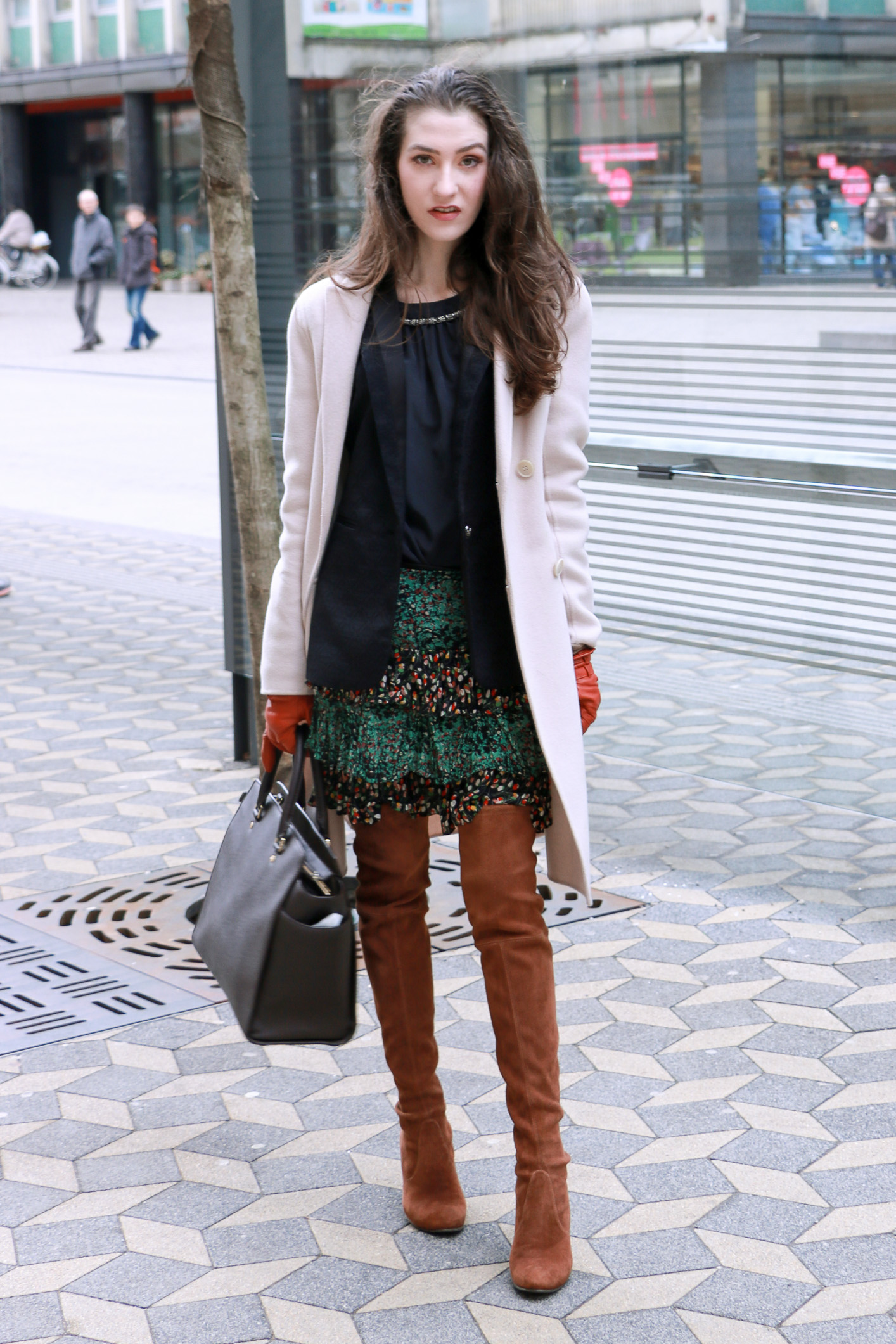 Fashion blogger Veronika Lipar of Brunette From Wall Street sharing her sexy weekend boho chic style