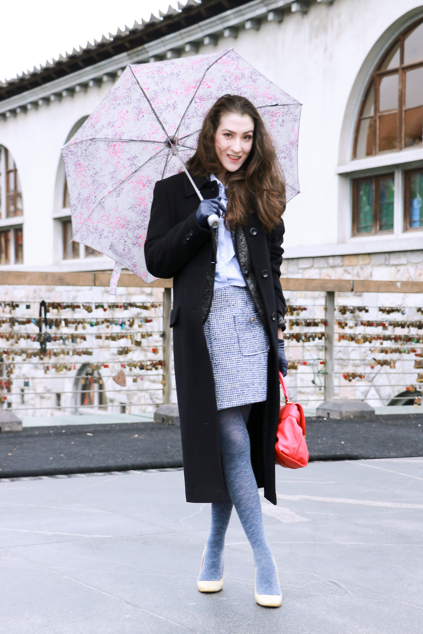 Fashion blogger Veronika Lipar of Brunette From Wall Street sharing what to wear to the Sunday brunch