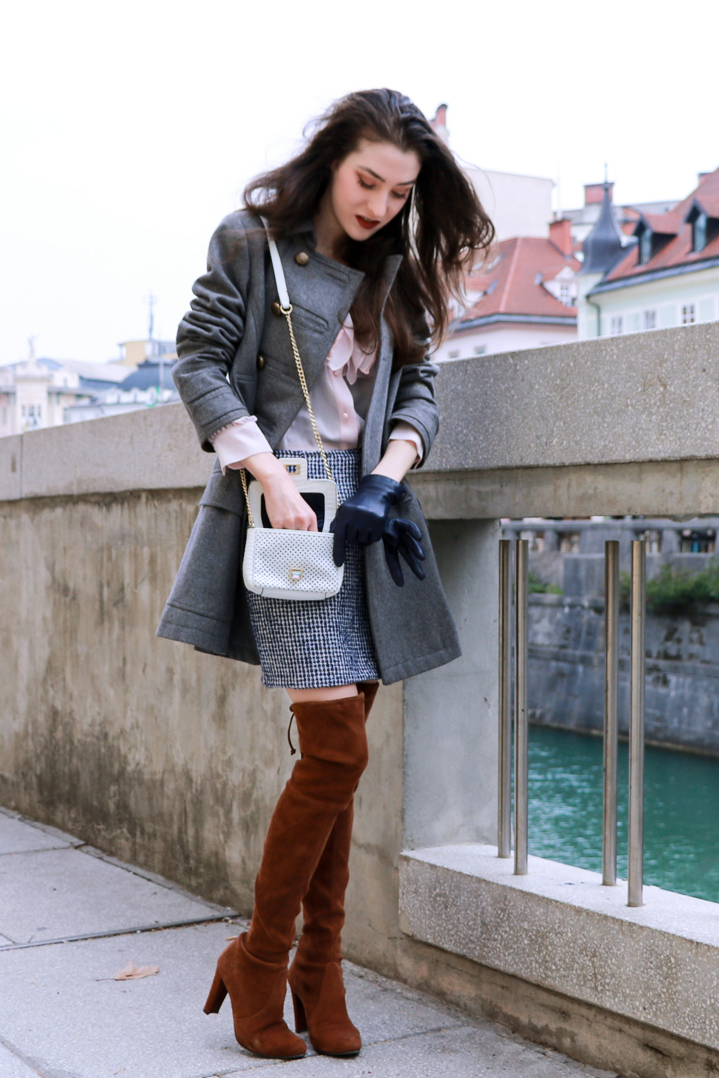 Fashion blogger Veronika Lipar of Brunette From Wall Street sharing list of 6 things you should have in your small bag