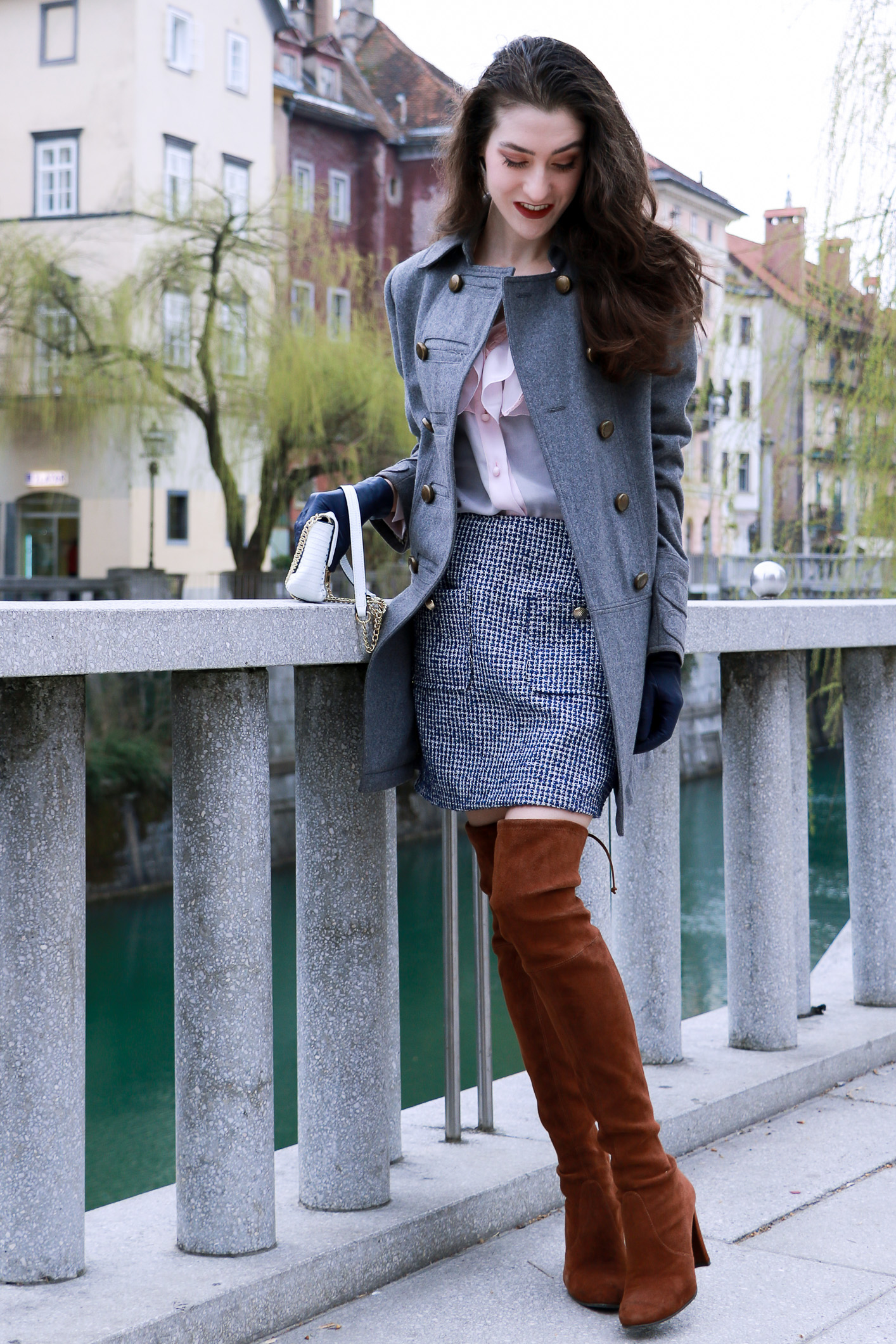 Fashion blogger Veronika Lipar of Brunette From Wall Street on what successful business woman carrys in their small bag