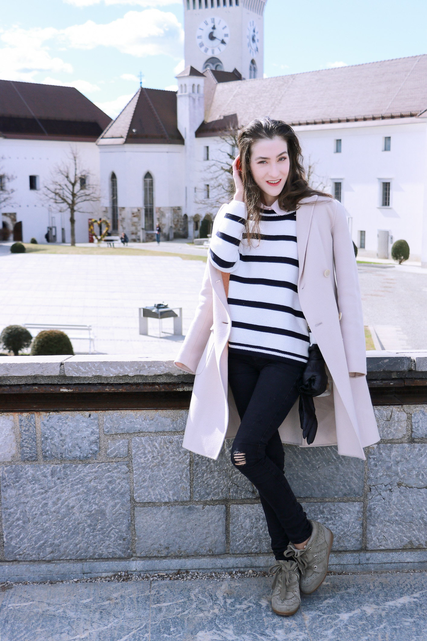 Fashion blogger Veronika Lipar of Brunette From Wall Street how to dress as a stylish fashionista on her city break