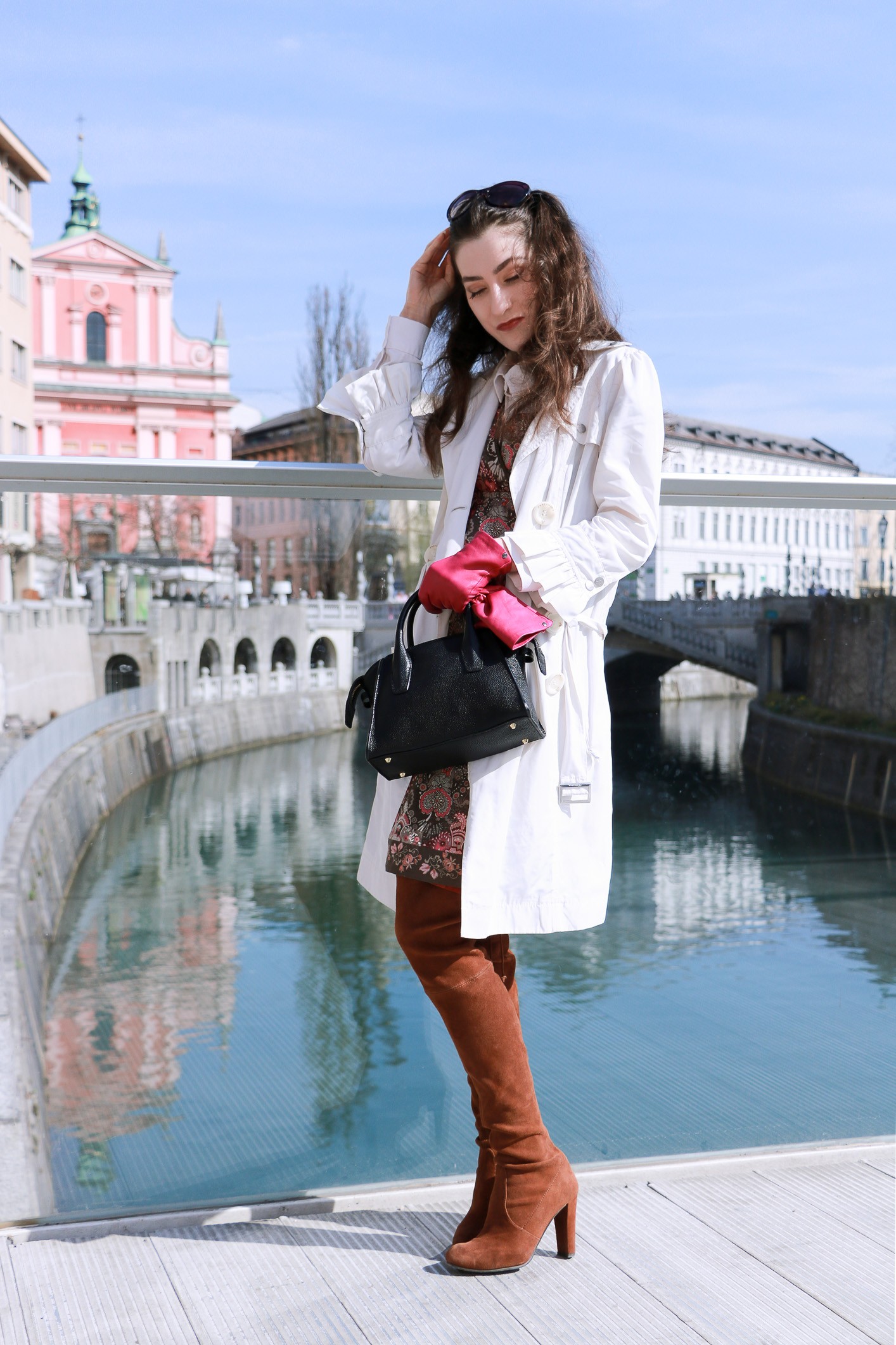 Fashion blogger Veronika Lipar of Brunette From Wall Street sharing what to wear to the festival this spring