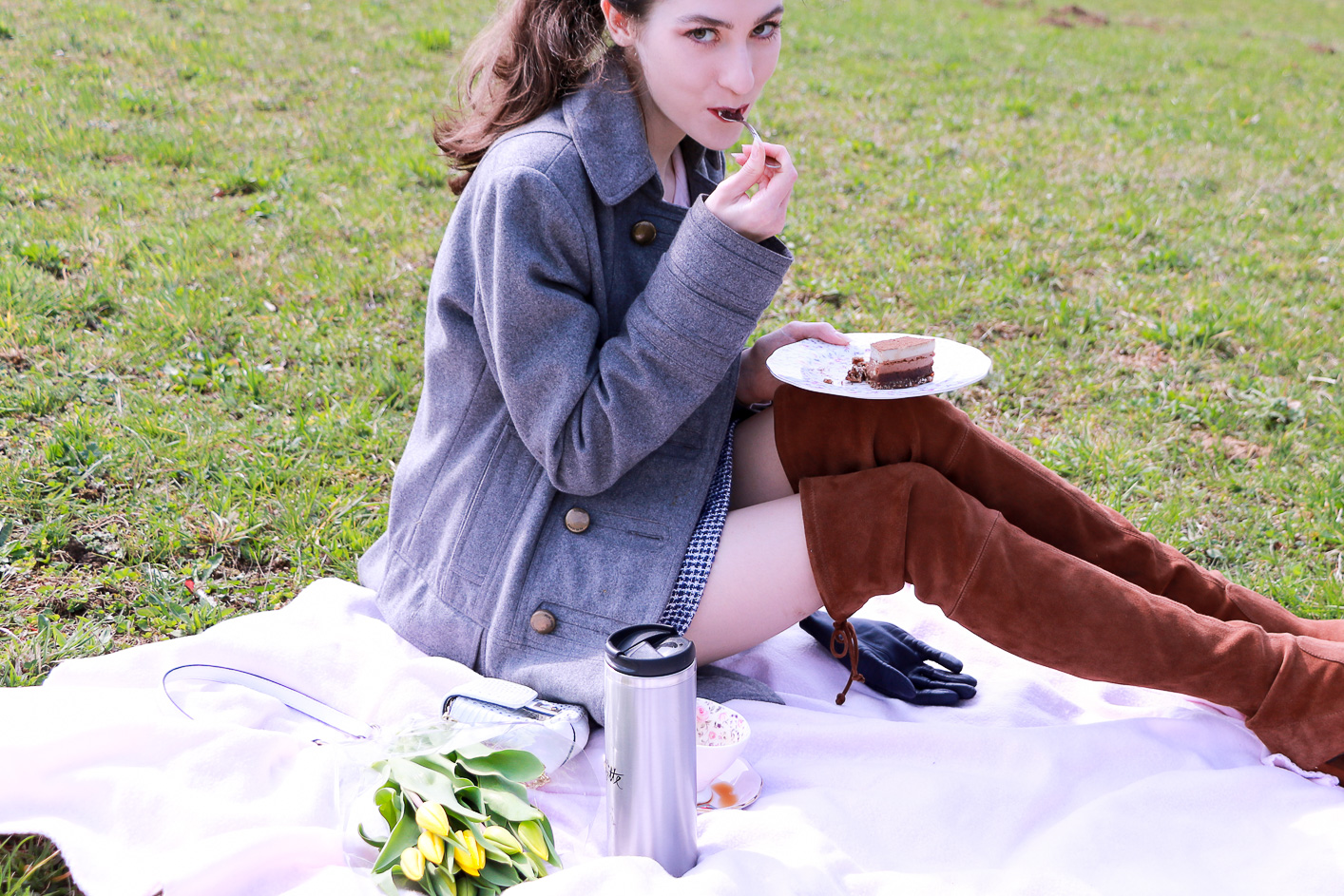 Fashion blogger Veronika Lipar of Brunette From Wall Street having first spring picnic