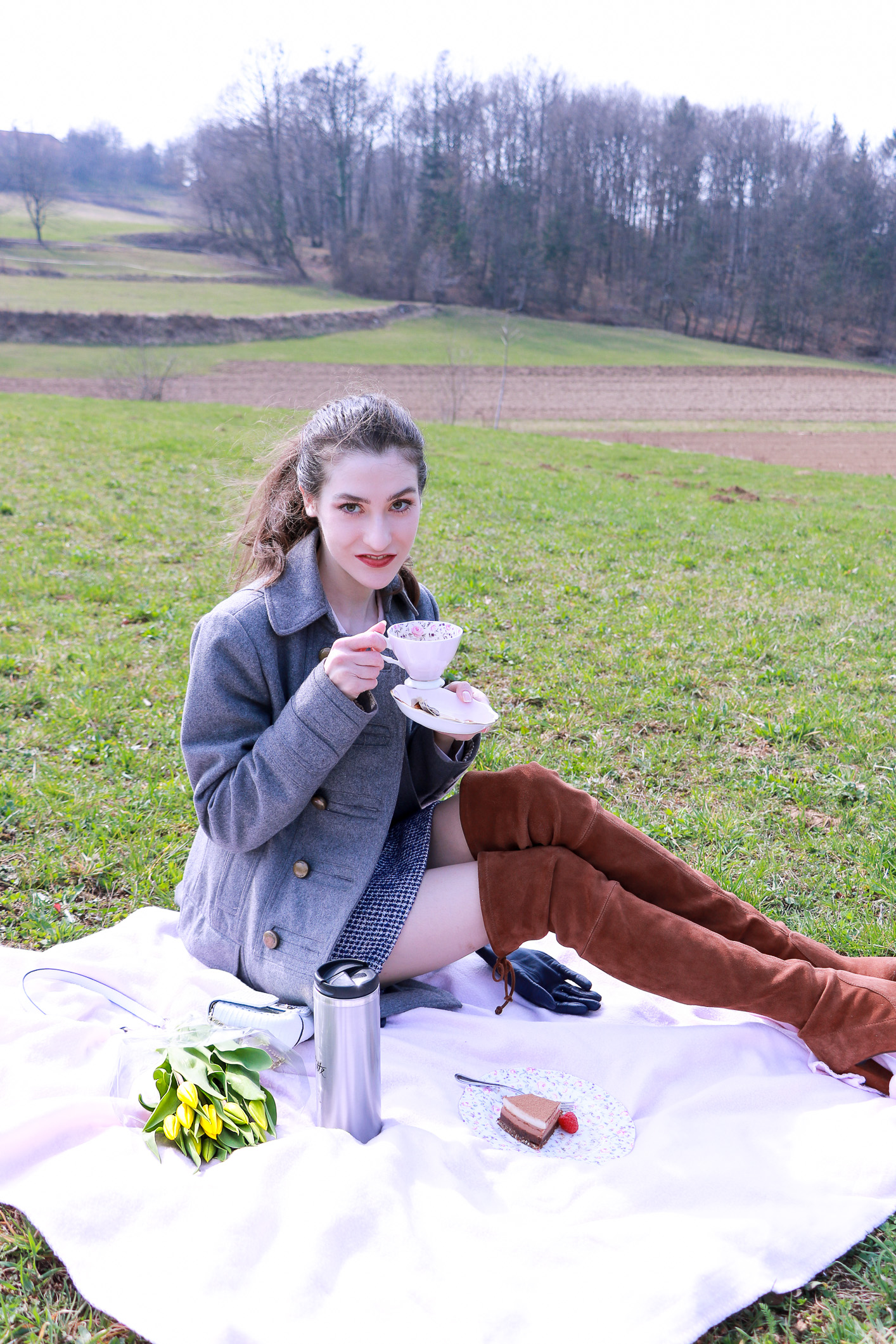 Fashion blogger Veronika Lipar of Brunette From Wall Street sharing what to wear to the first spring picnic