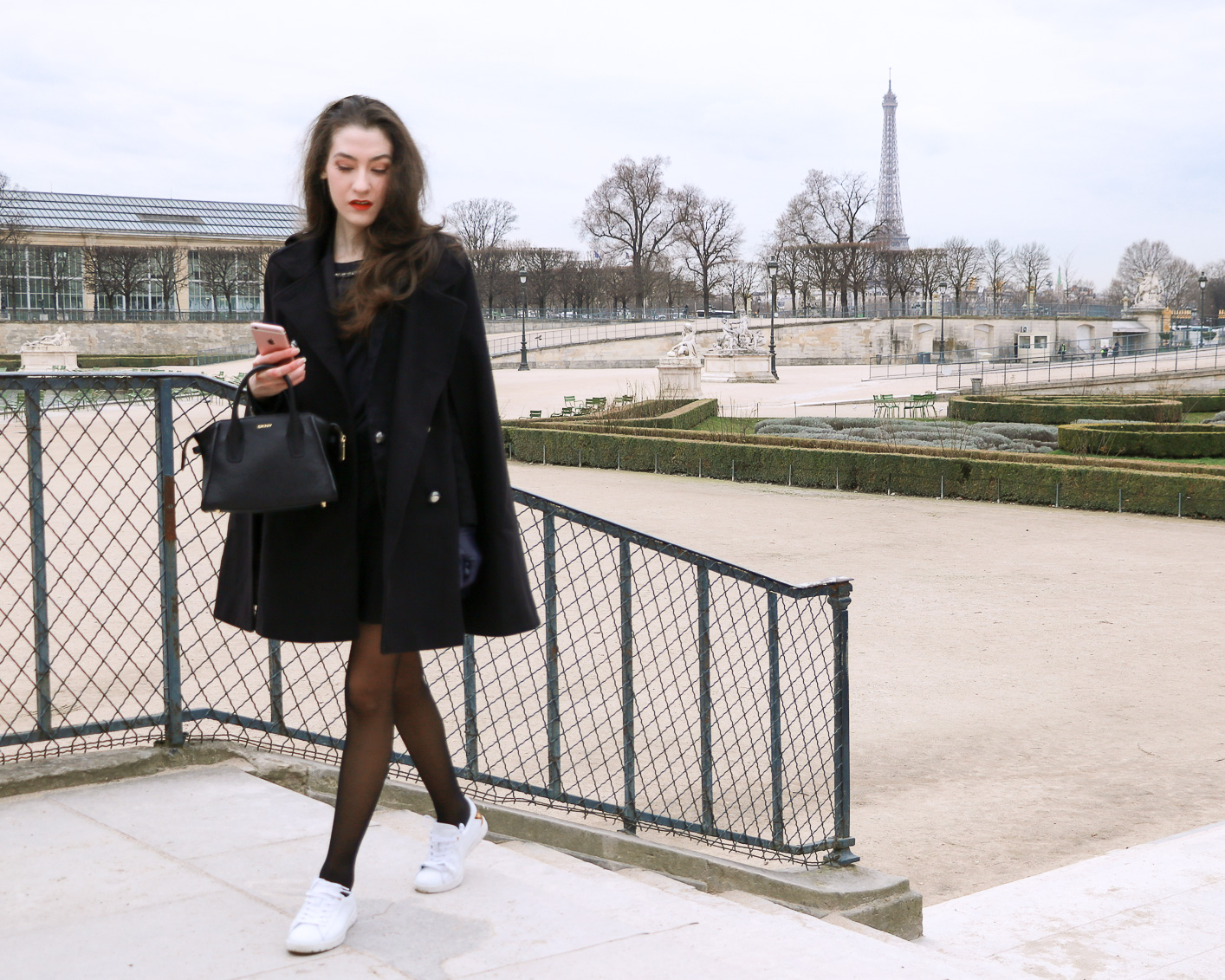 Fashion Blogger Veronika Lipar of Brunette from Wall Street sharing how to dress like a French