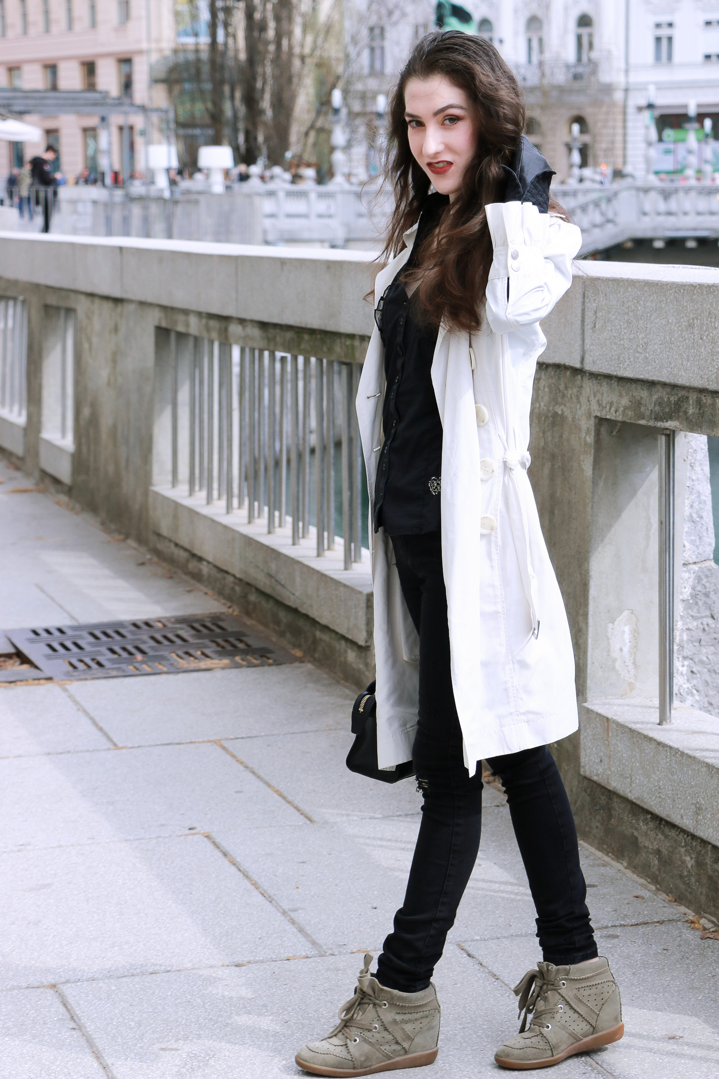 Fashion blogger Veronika Lipar of Brunette From Wall Street on how to look chic wearing ruffled clothes
