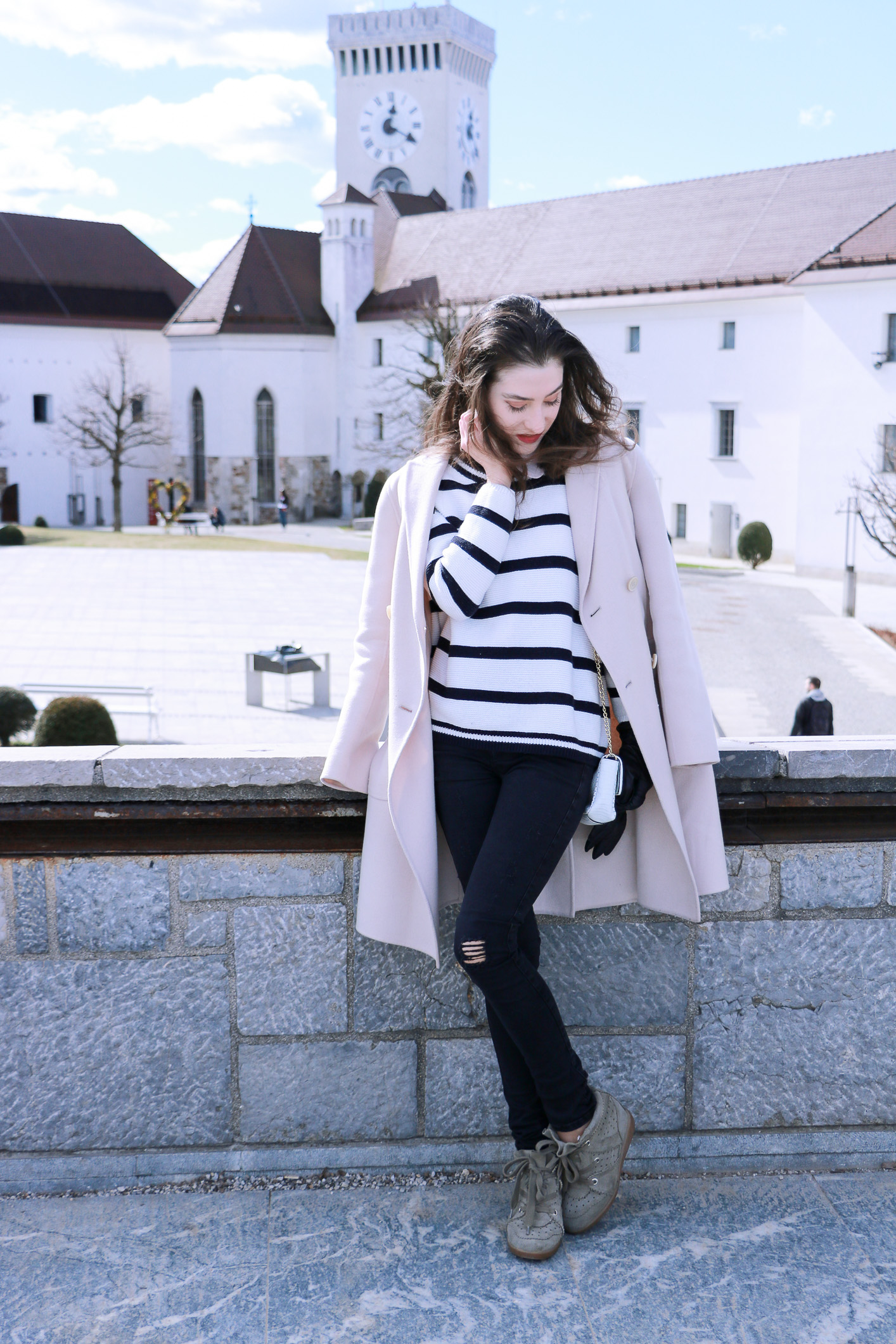 Fashion blogger Veronika Lipar of Brunette From Wall Street on what to wear on City Break this Spring
