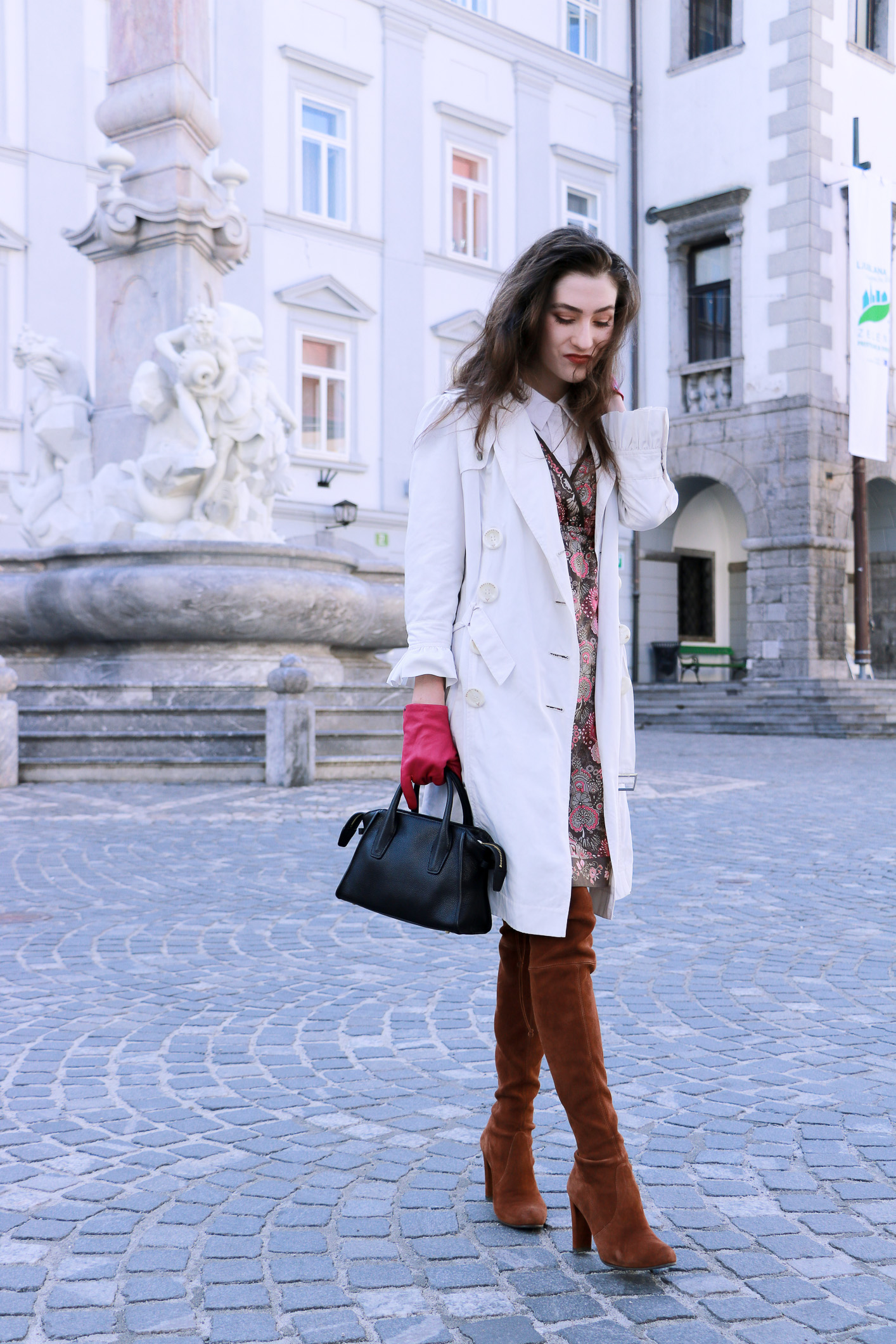 Fashion blogger Veronika Lipar of Brunette From Wall Street on her way to the Odprta Kuhna Open Kitchen in her Short Fashion Story