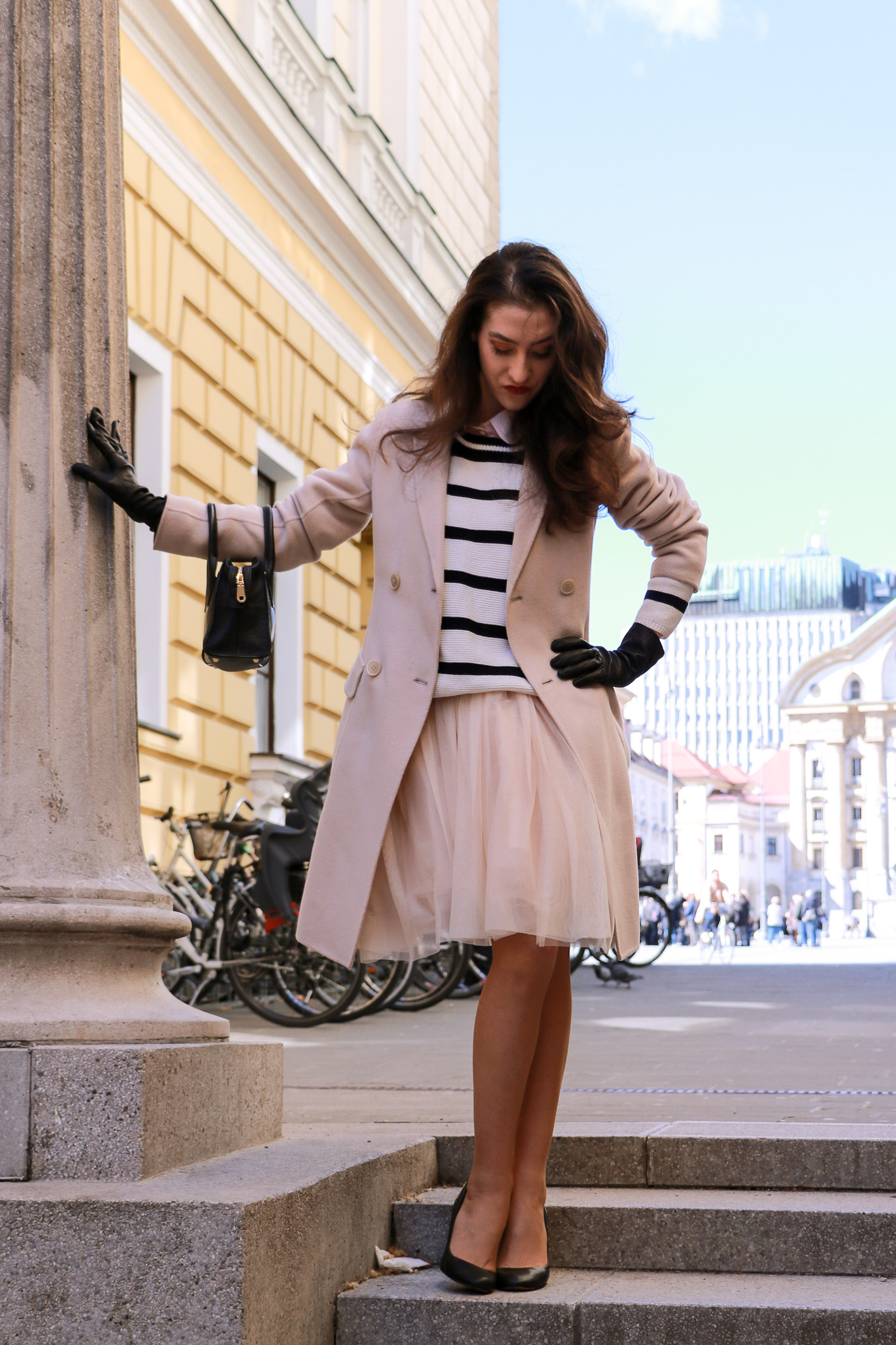 Fashion blogger Veronika Lipar of Brunette From Wall Street sharing what to wear to a date this spring