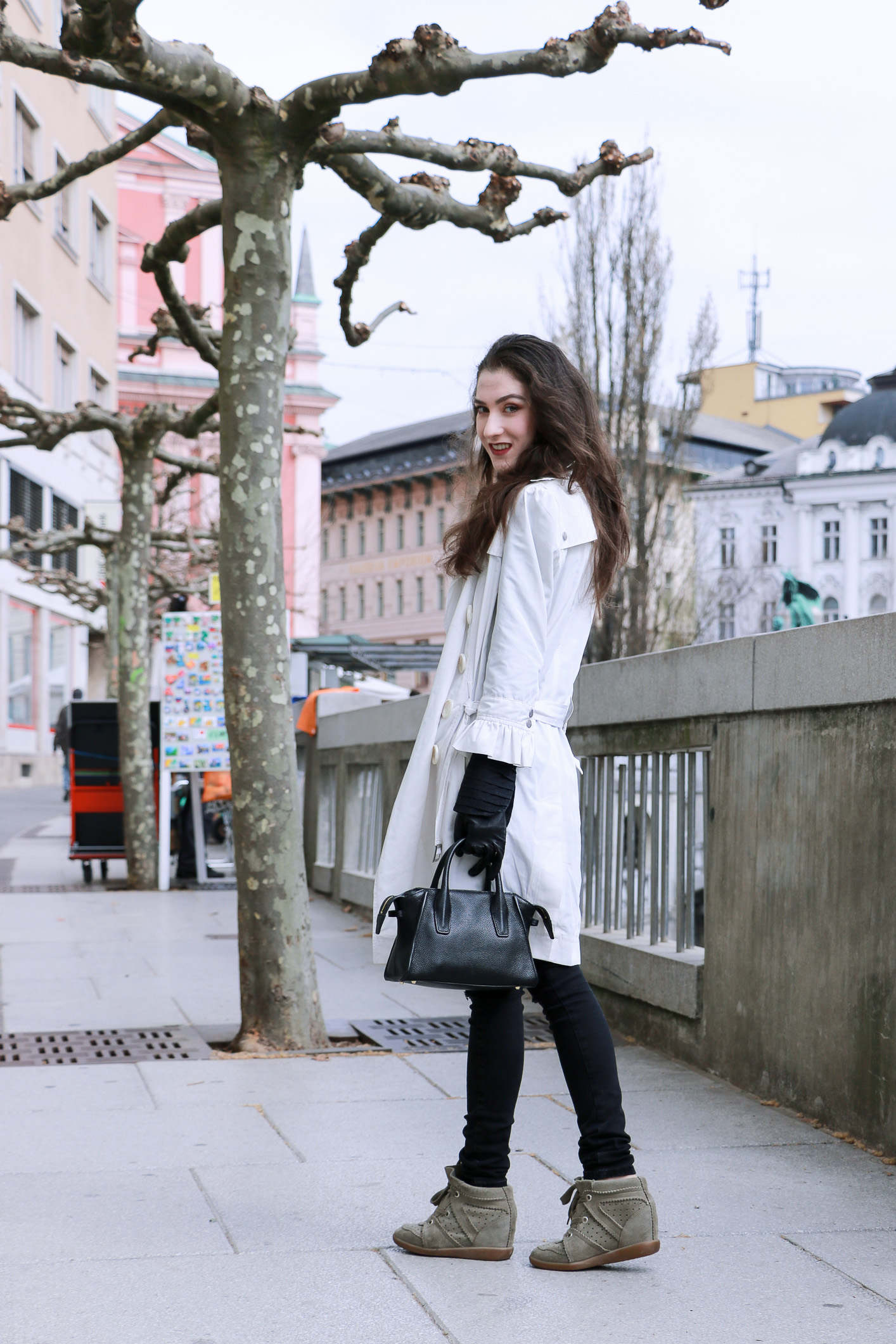 Fashion blogger Veronika Lipar of Brunette From Wall Street on how to look chic wearing ruffles