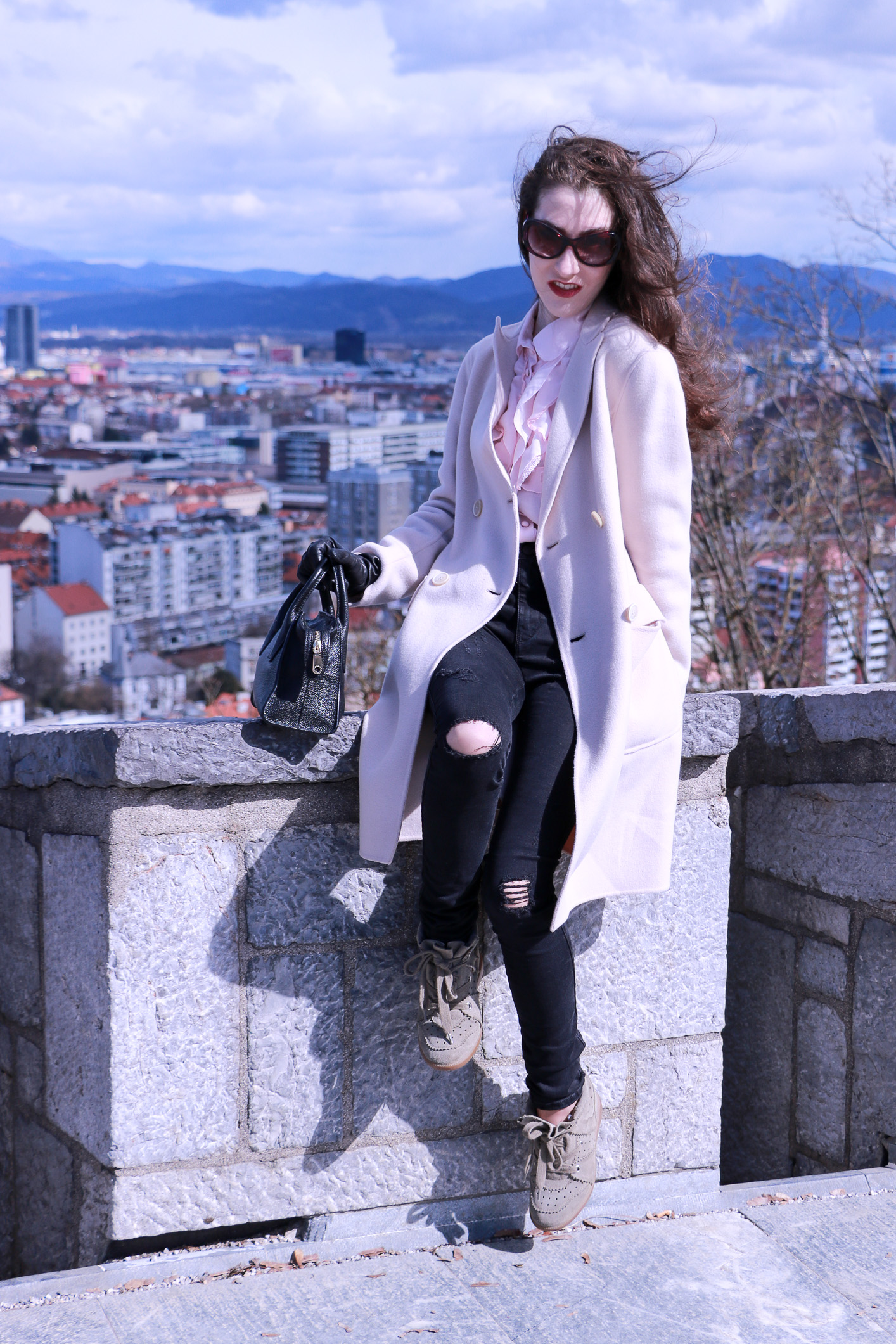 Fashion blogger Veronika Lipar of Brunette From Wall Street sharing her casual spring fashionable outfit