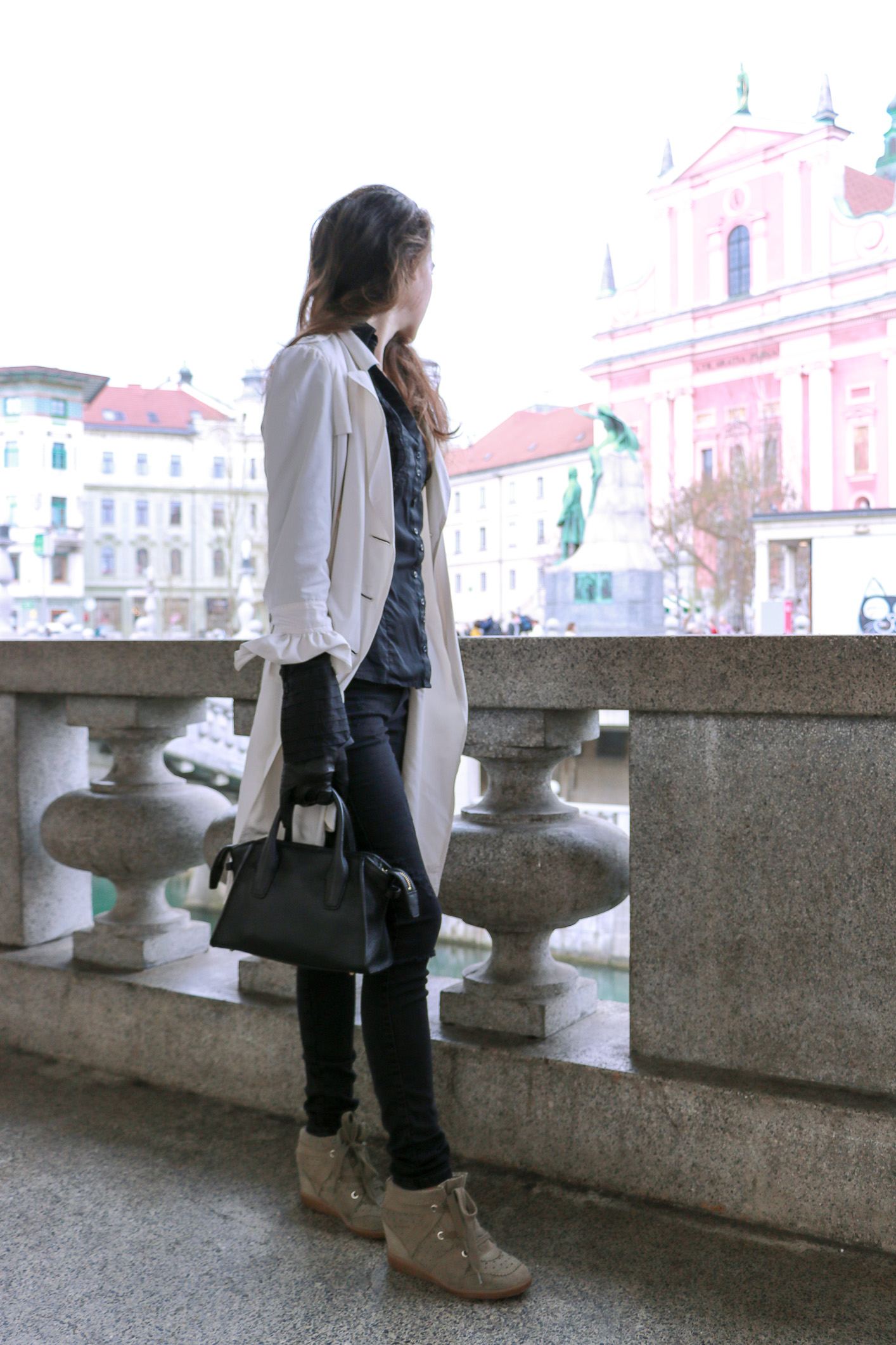 Fashion blogger Veronika Lipar of Brunette From Wall Street on how to look stylish wearing long ruffled sleeves