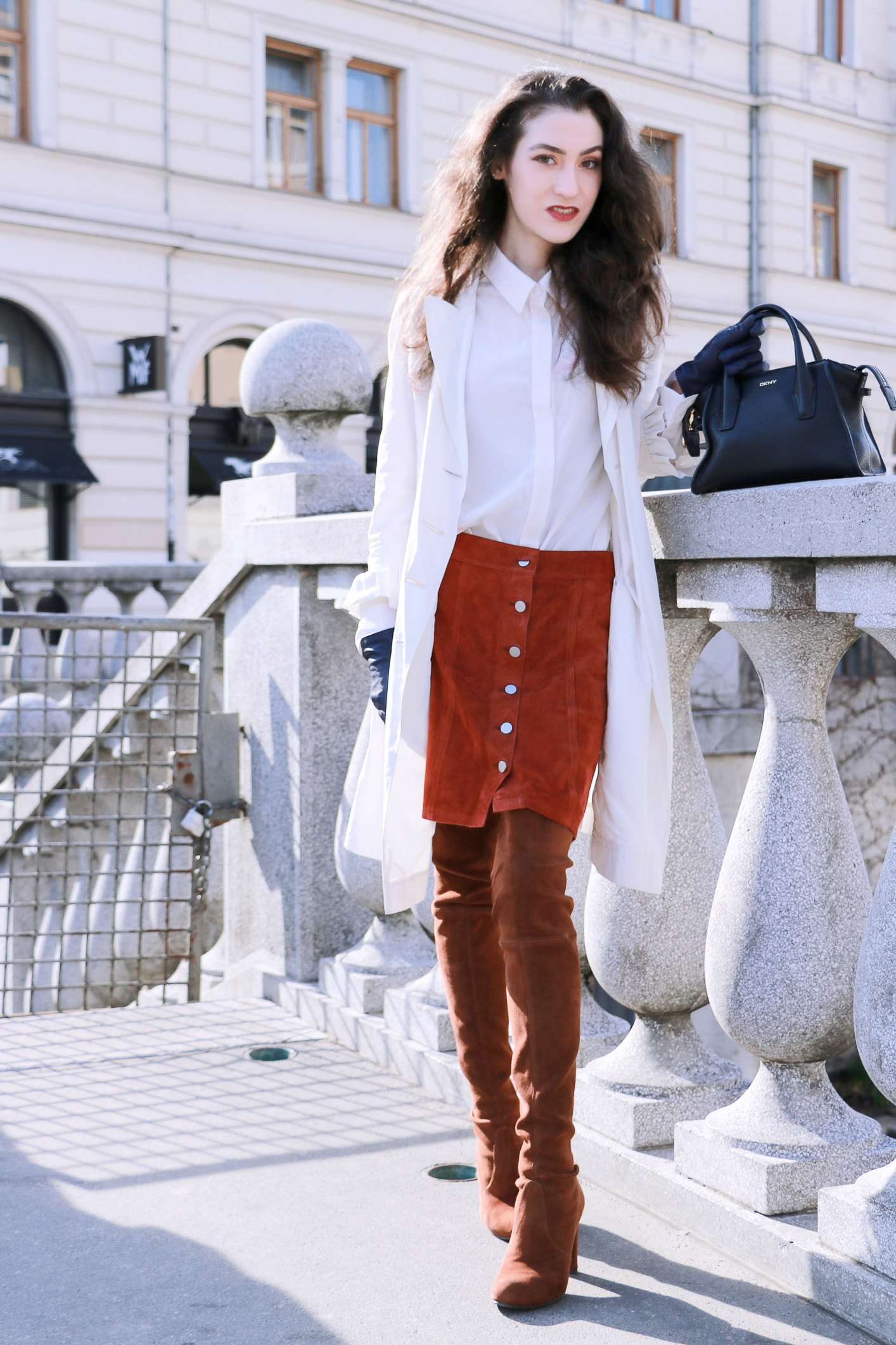 Fashion blogger Veronika Lipar of Brunette From Wall Street sharing the most fashionable outwear of the spring