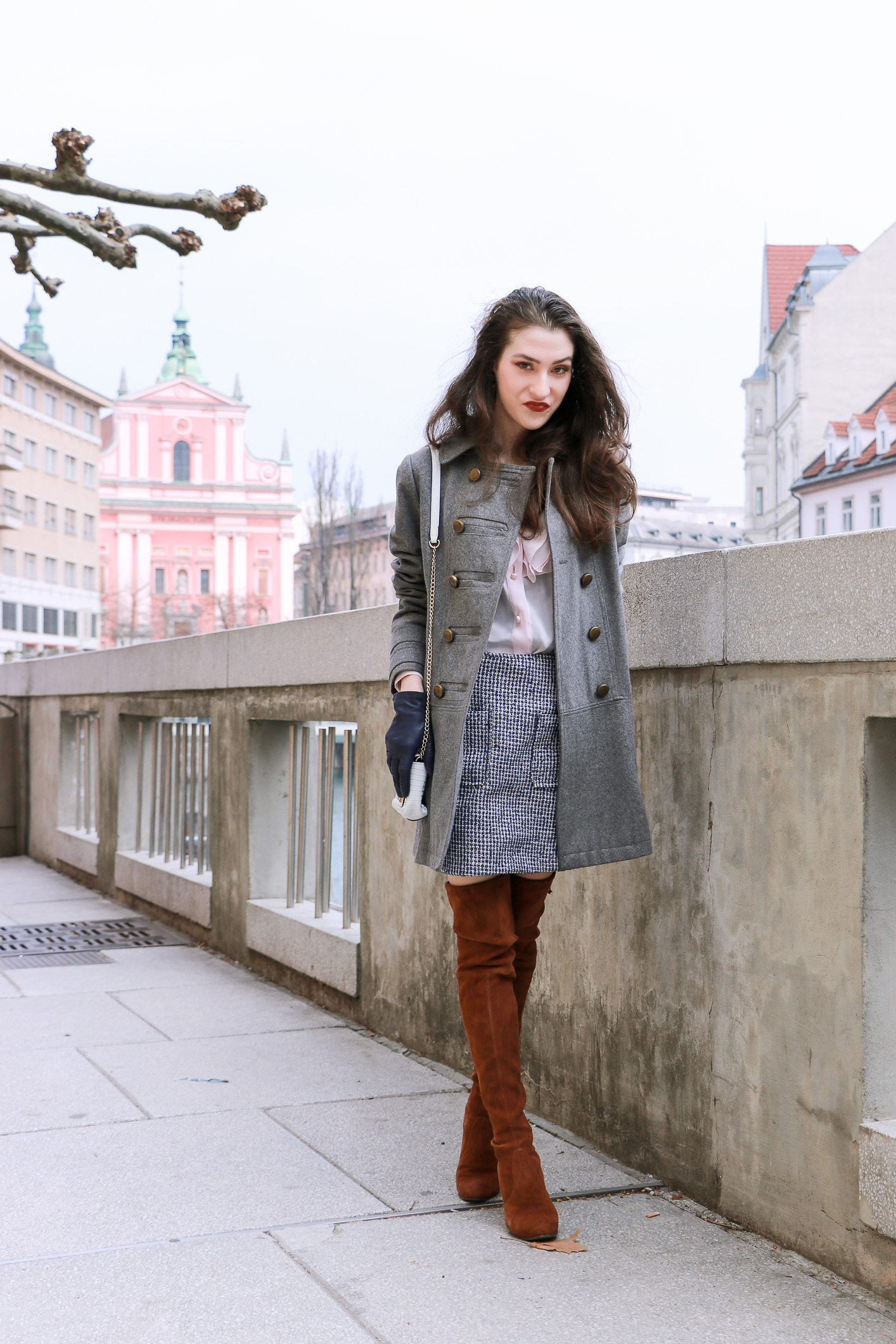 Fashion blogger Veronika Lipar of Brunette From Wall Street sharing her chic casual outfit