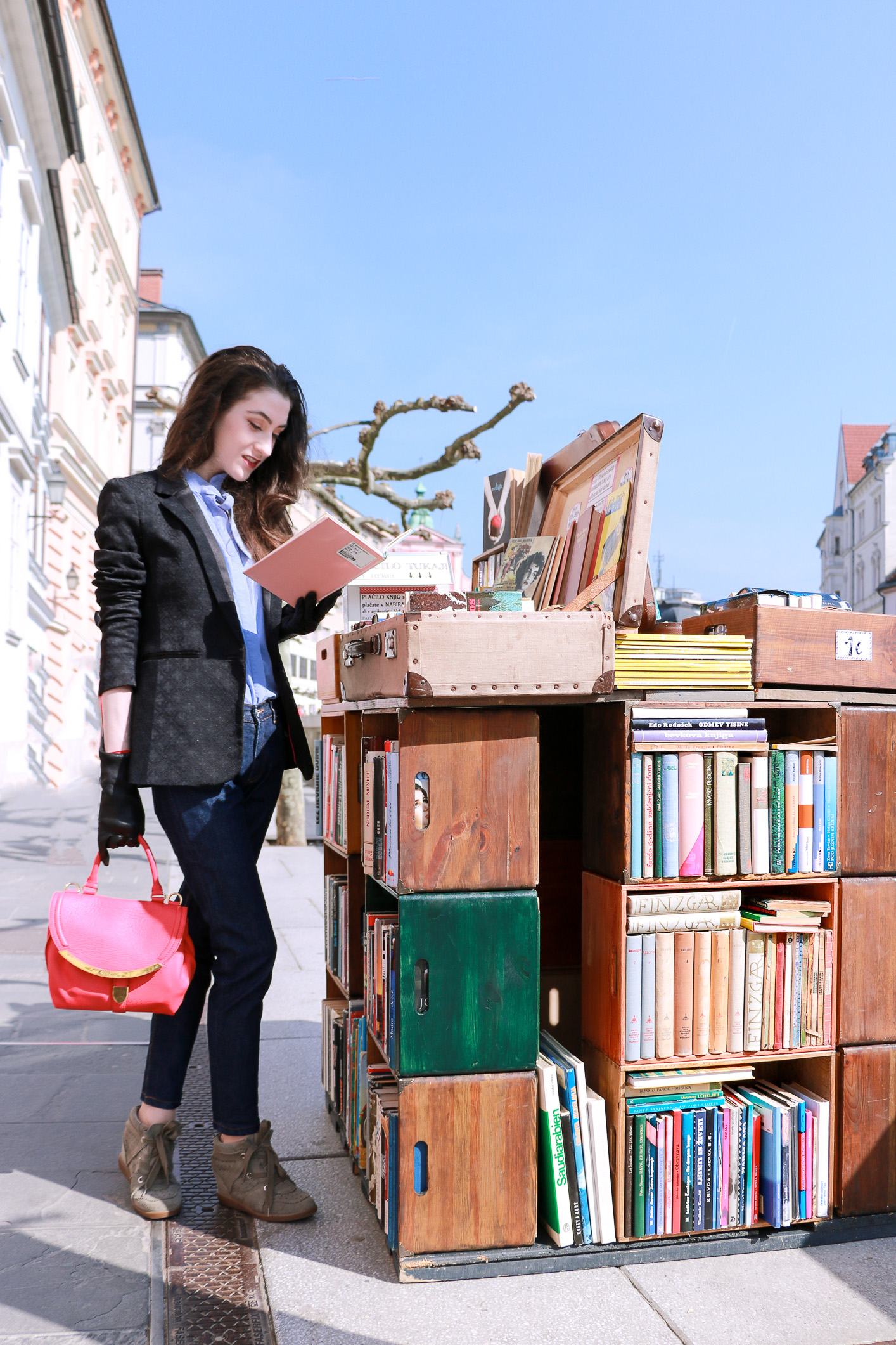Fashion blogger Veronika Lipar of Brunette From Wall Street sharing on what to read now