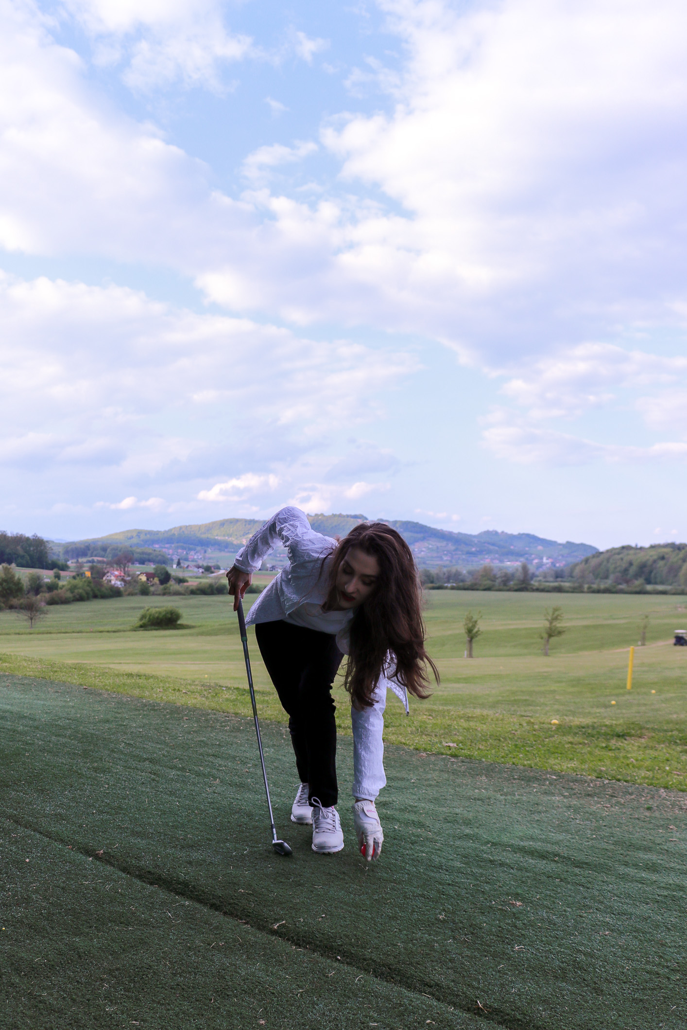 Fashion blogger Veronika Lipar of Brunette From Wall Street writing about ladies golf style