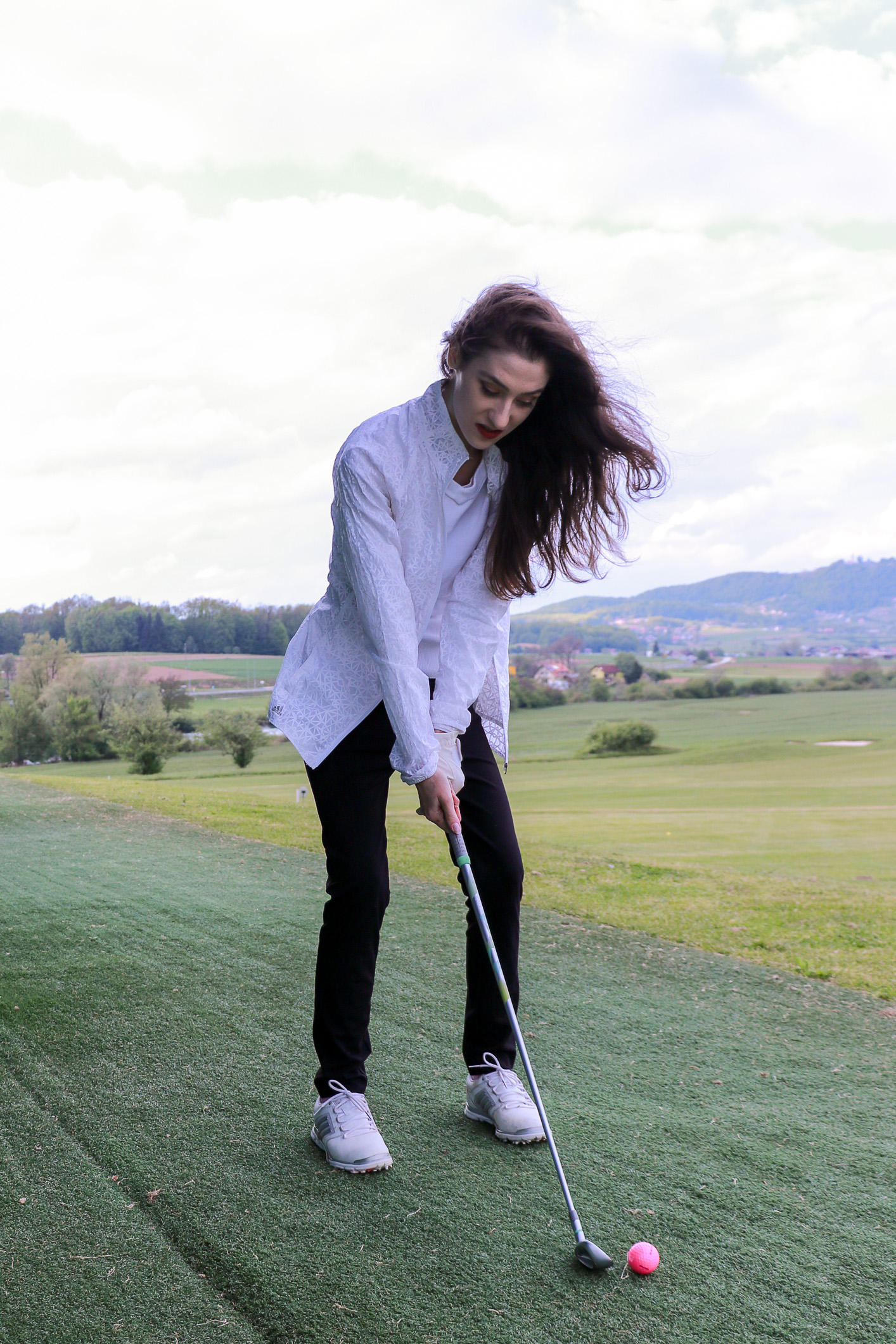 Fashion blogger Veronika Lipar of Brunette From Wall Street sharing where to get the most fashionable golf apparel