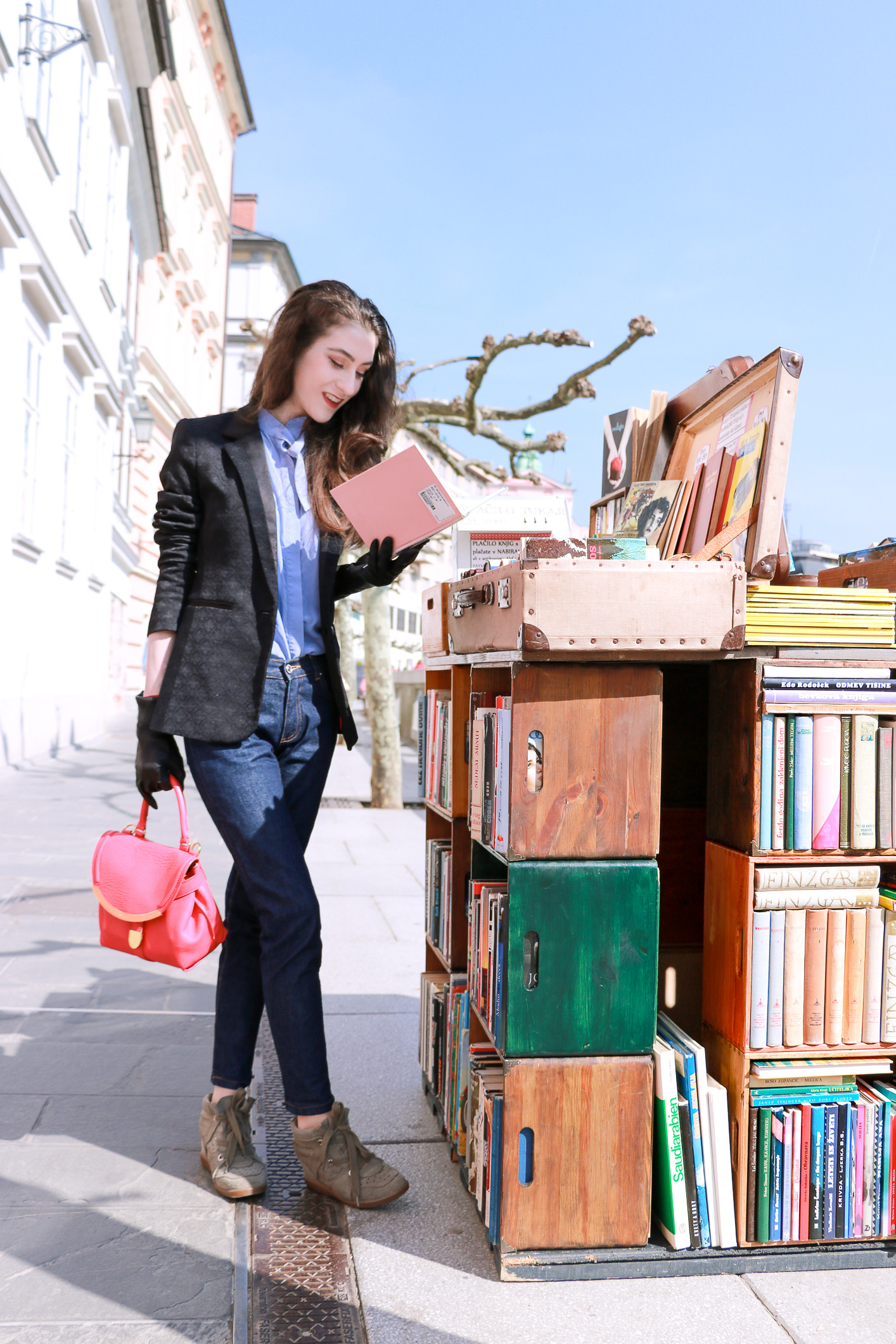 Fashion blogger Veronika Lipar of Brunette From Wall Street sharing the list of classic books you must read this spring