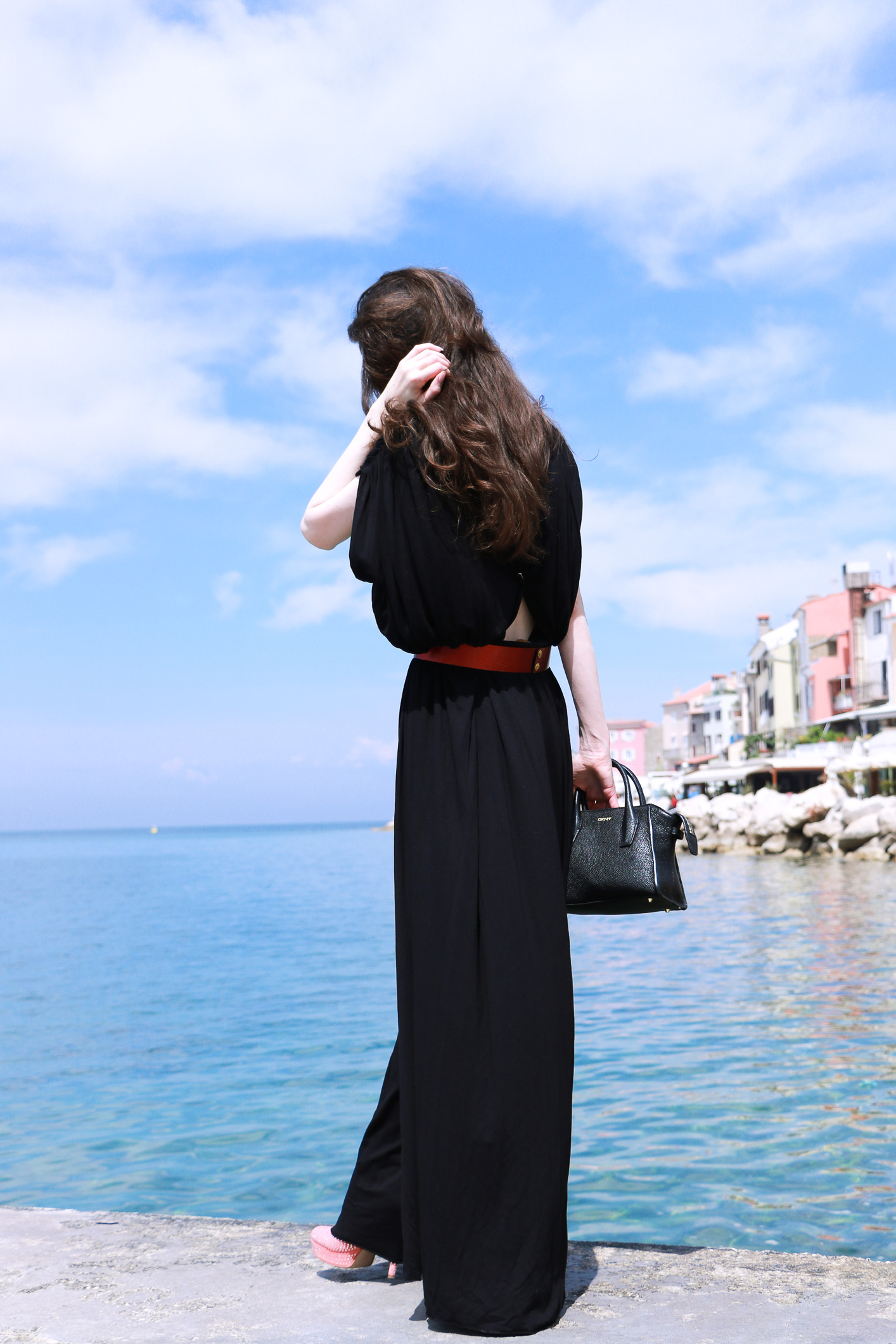 Fashion blogger Veronika Lipar of Brunette From Wall Street sharing the best dresses to wear to gala events this season