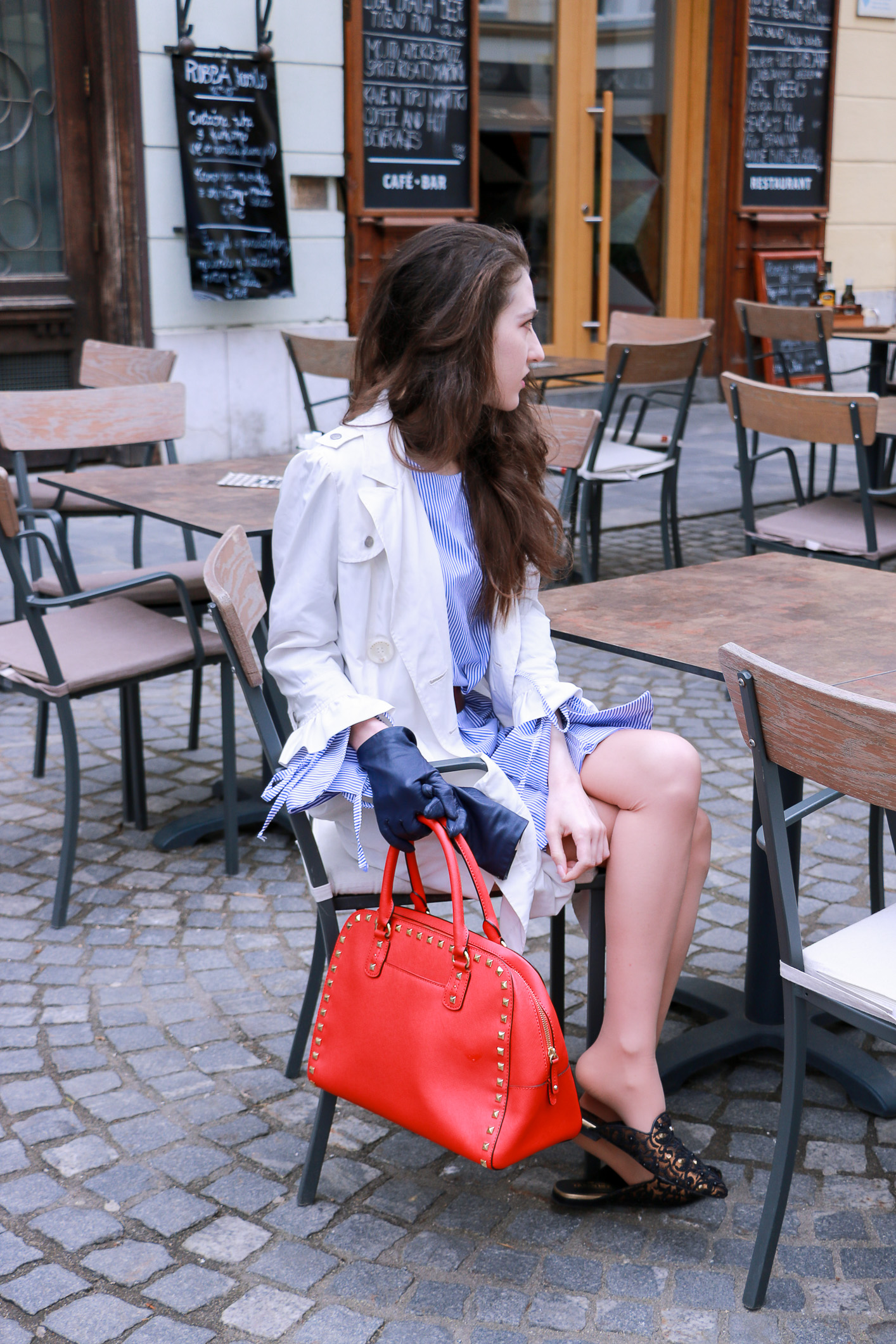Fashion blogger Veronika Lipar of Brunette From Wall Street her fashionable outfit for lunch with girlfriends