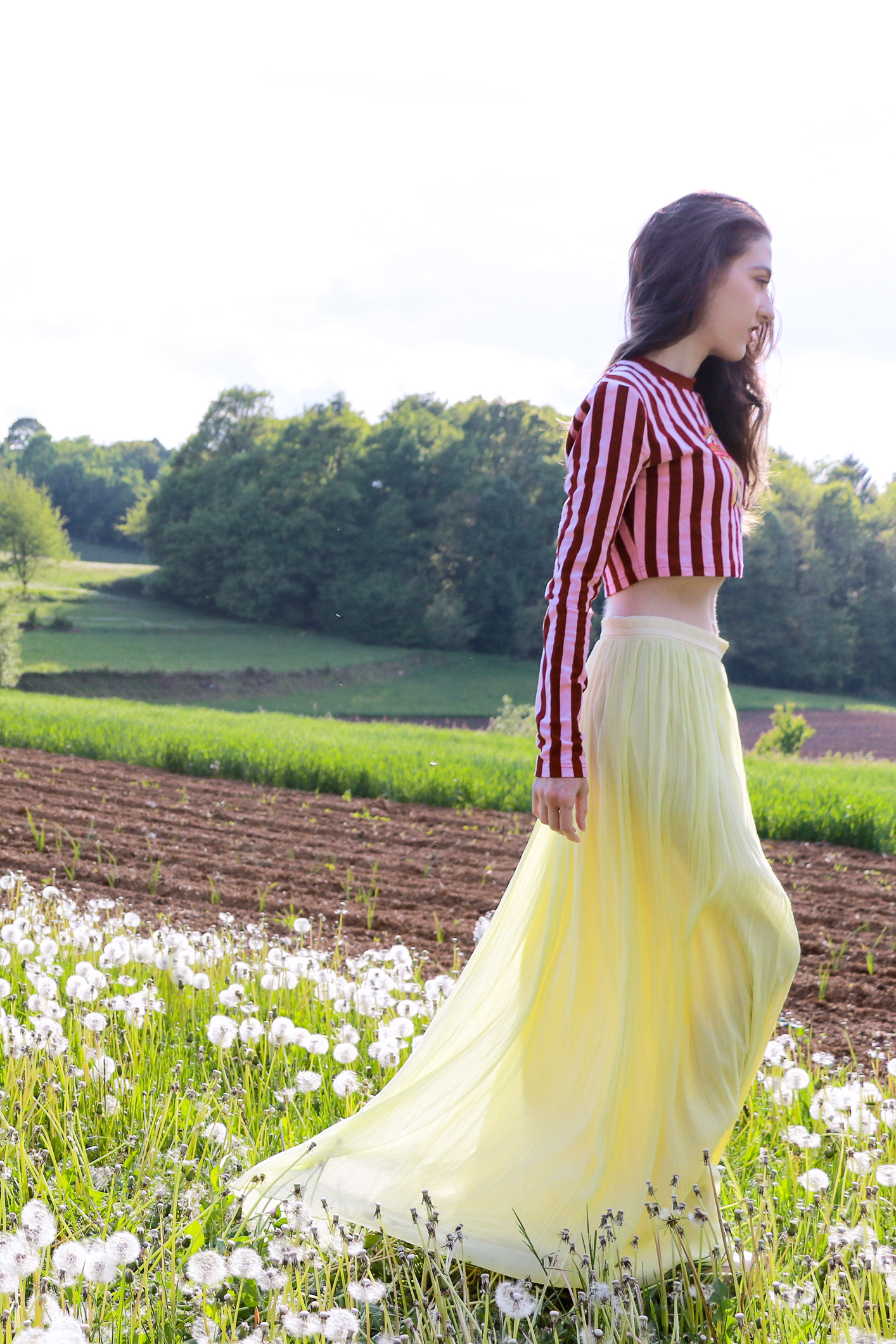 Fashion blogger Veronika Lipar of Brunette From Wall Street sharing what to wear to the wedding in May