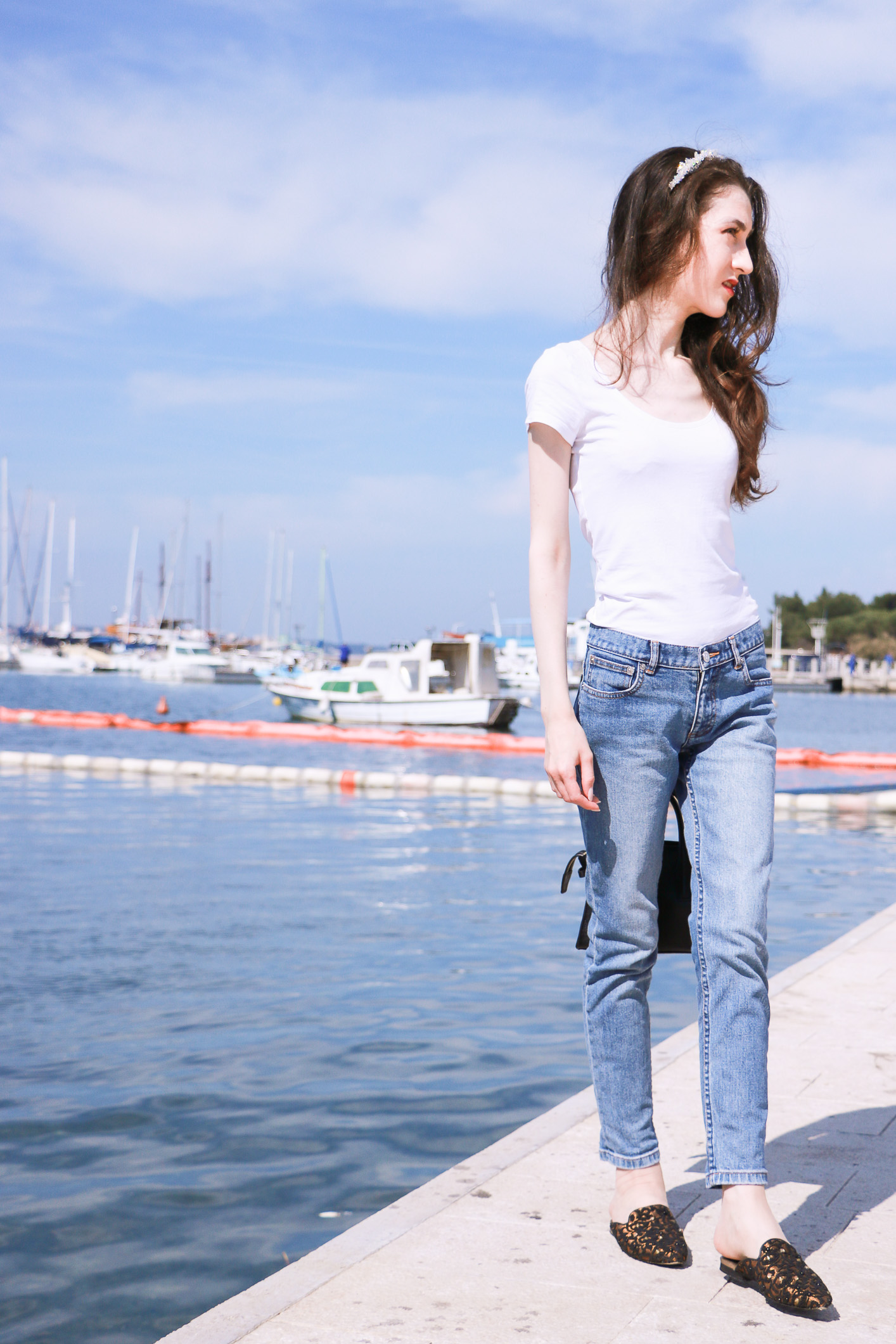 Fashion blogger Veronika Lipar of Brunette From Wall Street sharing 5 accessories that makes us look elegant in any casual outfit while by the Adriatic sea