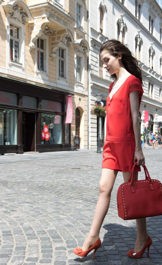 Fashion Blogger Veronika Lipar of Brunette from Wall Street wearing red to toe outfit