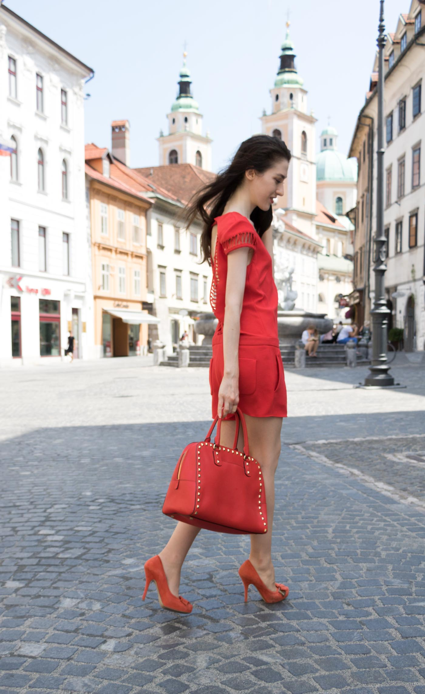 835cd2c76a98 Fashion Blogger Veronika Lipar Of Brunette From Wall Street On How To Wear  Red