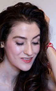 Fashion Blogger Veronika Lipar of Brunette from Wall Street wearing oil cushion and powder for a glowing skin