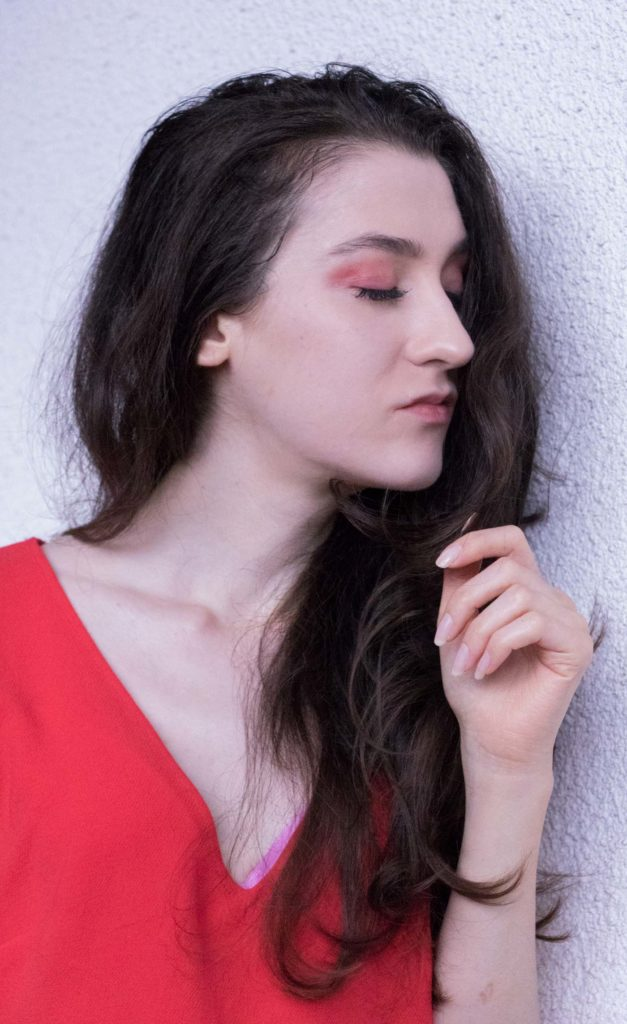 Fashion Blogger Veronika Lipar of Brunette from Wall Street wearing red eyeshadow