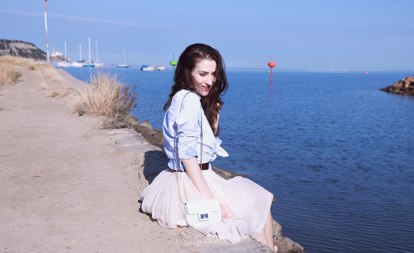 Fashion Blogger Veronika Lipar of Brunette from Wall Street on how to look chic in tulle skirt