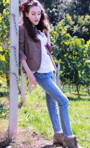 Fashion Blogger Veronika Lipar of Brunette from Wall Street on fall countryside style