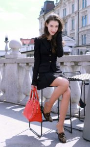 Fashion Blogger Veronika Lipar of Brunette from Wall Street on what to wear to brunch with friends this fall