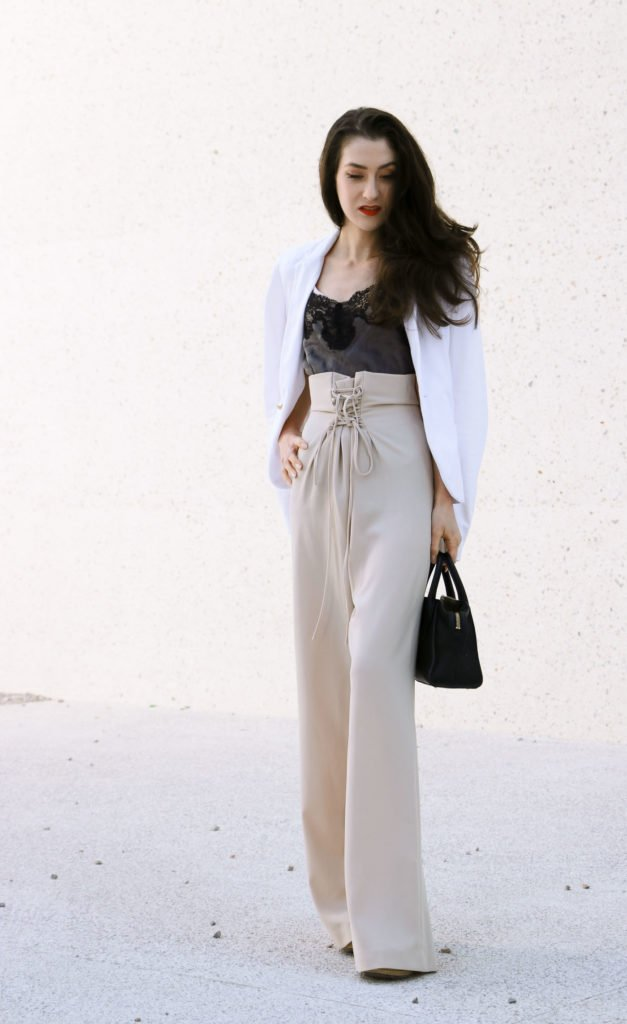 Fashion Blogger Veronika Lipar of Brunette from Wall Street sharing 5 fall paper bag outfits