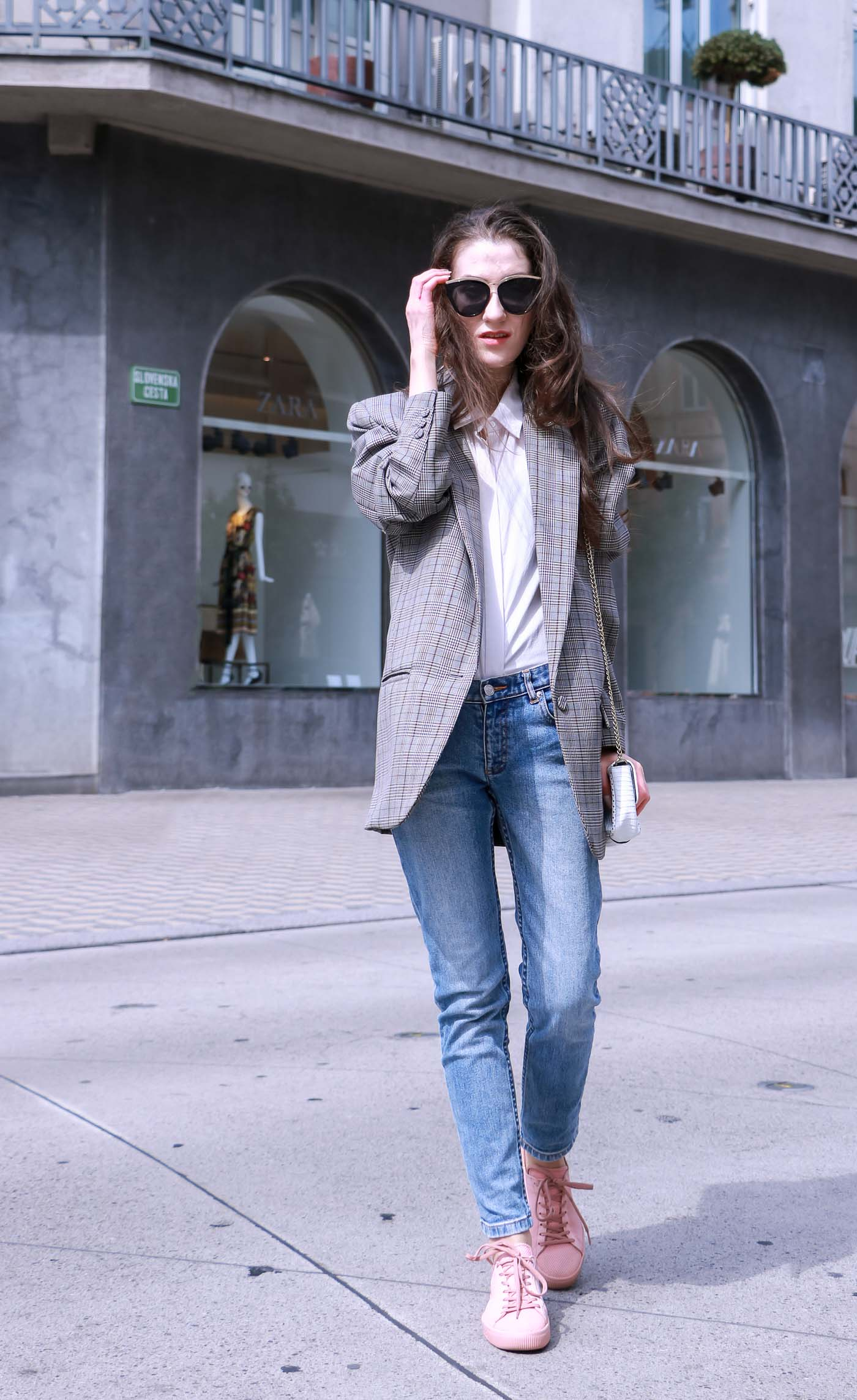 Fashion Blogger Veronika Lipar of Brunette from Wall Street wearing chic casual outfit