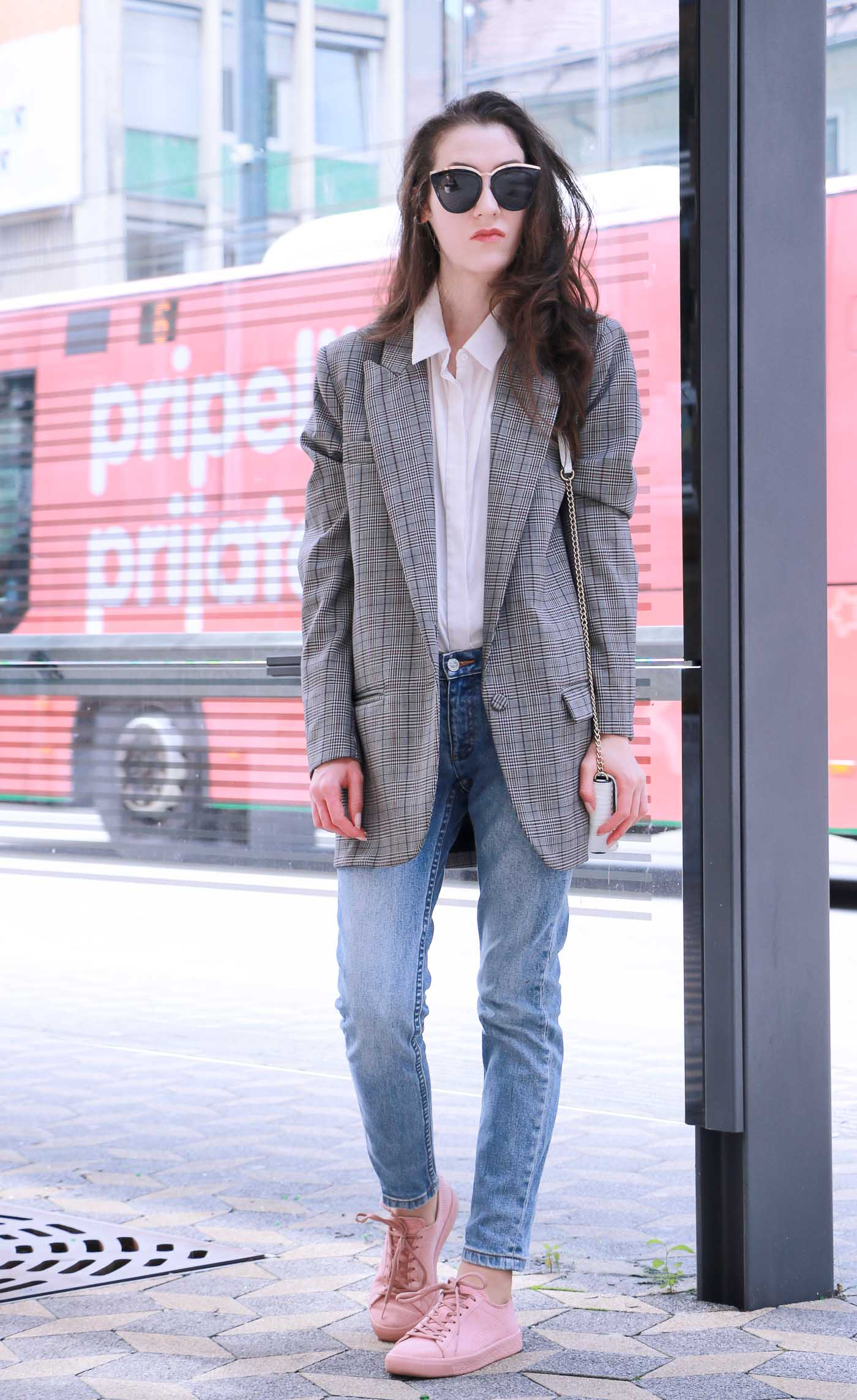 Fashion Blogger Veronika Lipar of Brunette from Wall Street sharing 5 Casual Outfits to wear this fall