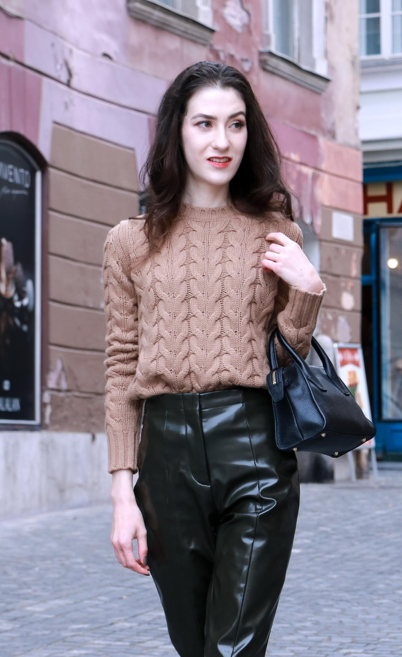 Fashion Blogger Veronika Lipar of Brunette from Wall Street wearing chic fall outfit