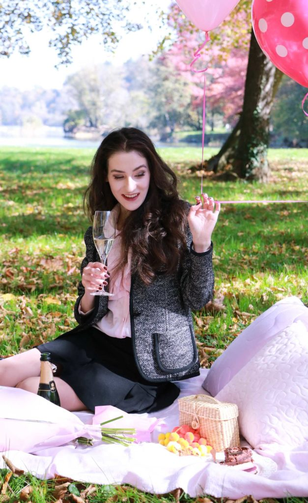 Fashion Blogger Veronika Lipar of Brunette from Wall Street having a birthday picnic to celebrate her 20-something birthday