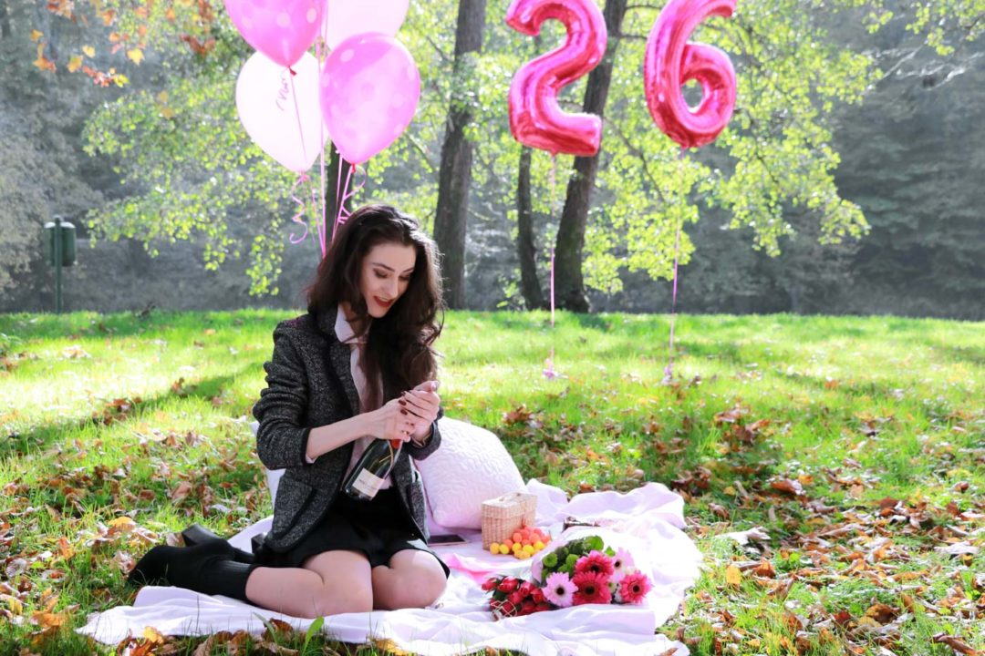 20-something Fashion Blogger Veronika Lipar of Brunette from Wall Street celebrating her birthday on a pink picnic