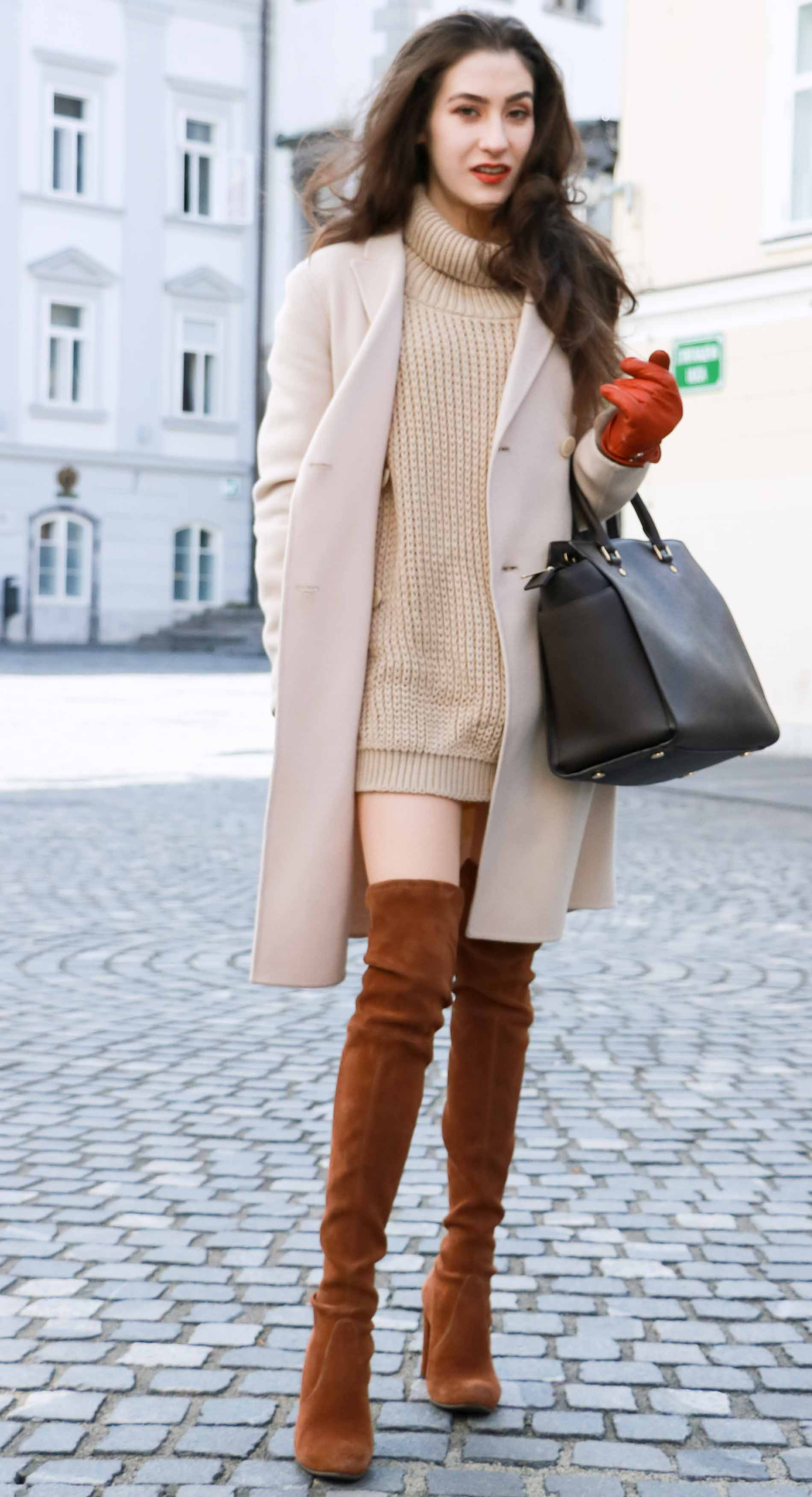 Fashion Blogger Veronika Lipar of Brunette from Wall wearing outfit that never goes out of the fashion