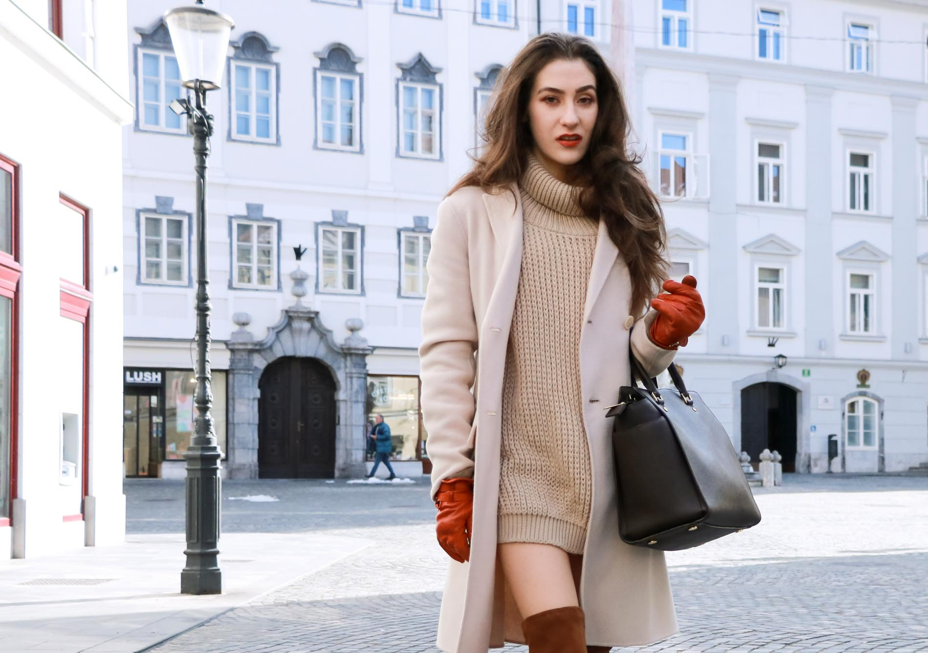 Fashion Blogger Veronika Lipar of Brunette from Wall wearing always fashionable winter outfit