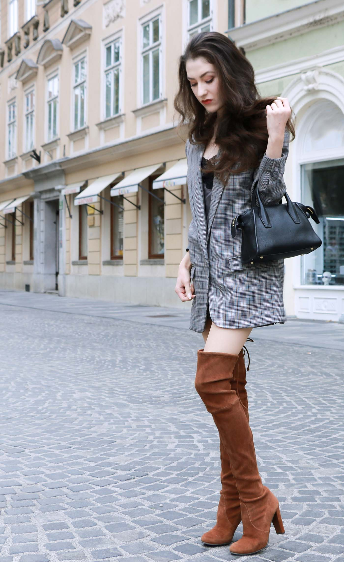 Fashion Blogger Veronika Lipar of Brunette from Wall on how to wear brown Stuart Weitzman highland boots this fall