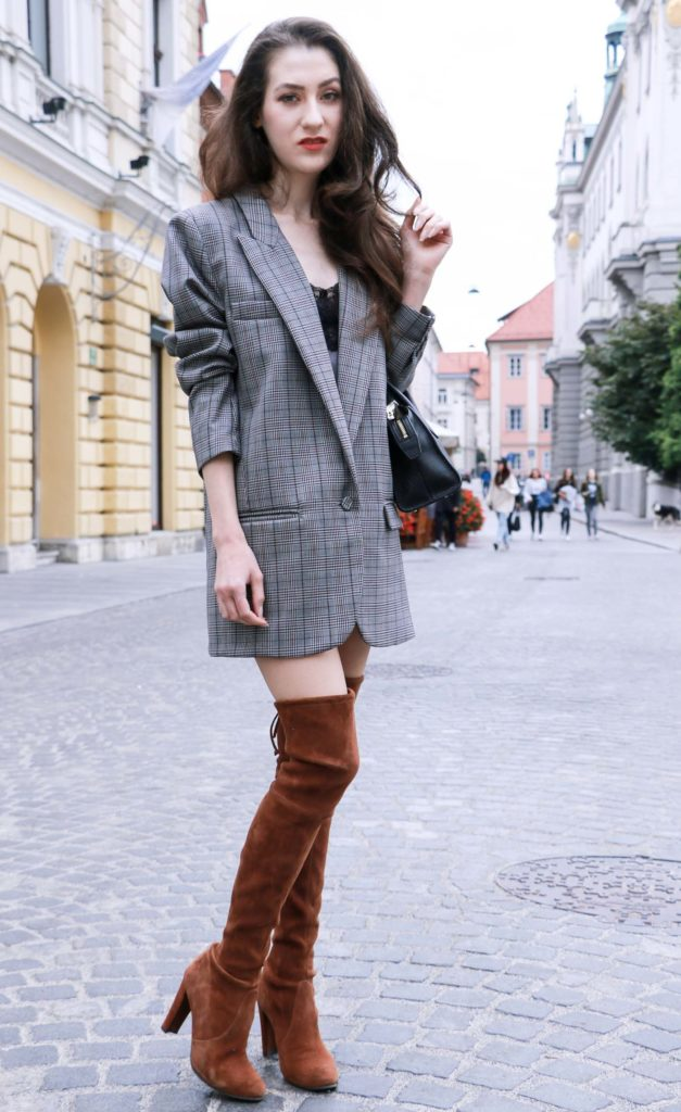 Fashion Blogger Veronika Lipar of Brunette from Wall on how to wear brown Stuart Weitzman over the knee boots this fall