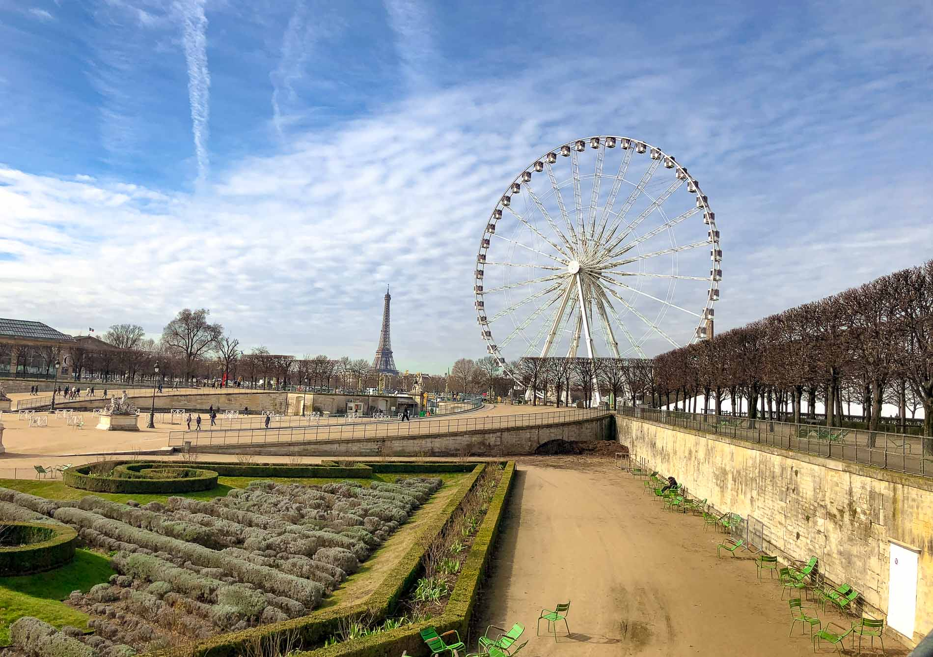 Fashion Blogger Veronika Lipar of Brunette from Wall Street sharing photos of Paris she took in between the shows during Autumn Winter 2018/19 Paris Fashion Week
