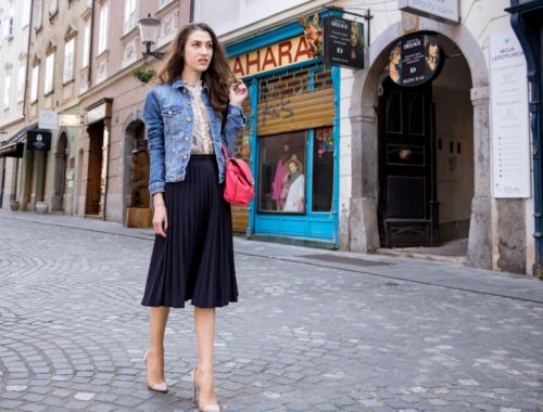 Veronika Lipar Fashion Blogger of Brunette from Wall Street wearing H&M denim jacket, floral blouse, midi pleated skirt, Gianvito Rossi plexi pumps, pink top handle bag for summer brunch