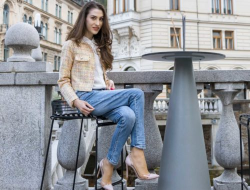 Veronika Lipar Fashion Blogger of Brunette from Wall Street wearing chic casual everyday spring outfit, the yellow tweed jacket from Storets, blue jeans from A.P.C., blush Gianvito Rossi plexi pumps, pink top handle bag and organza white shirt for Sunday brunch